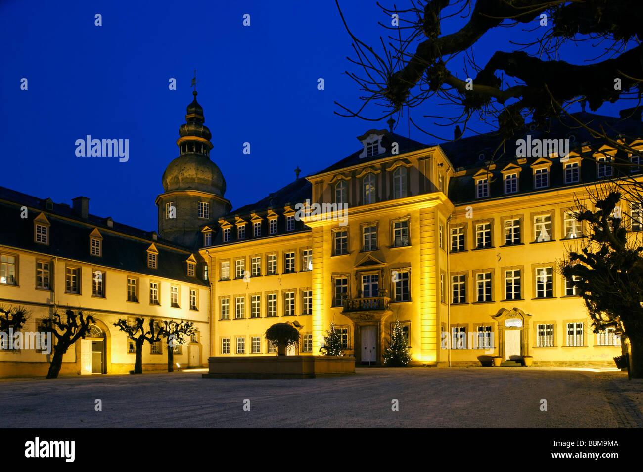 Berleburg Castleilluminated for Christmas, Bad Berleburg, district of Siegen-Wittgenstein, Rothaarsteig, North Rhine - Stock Image