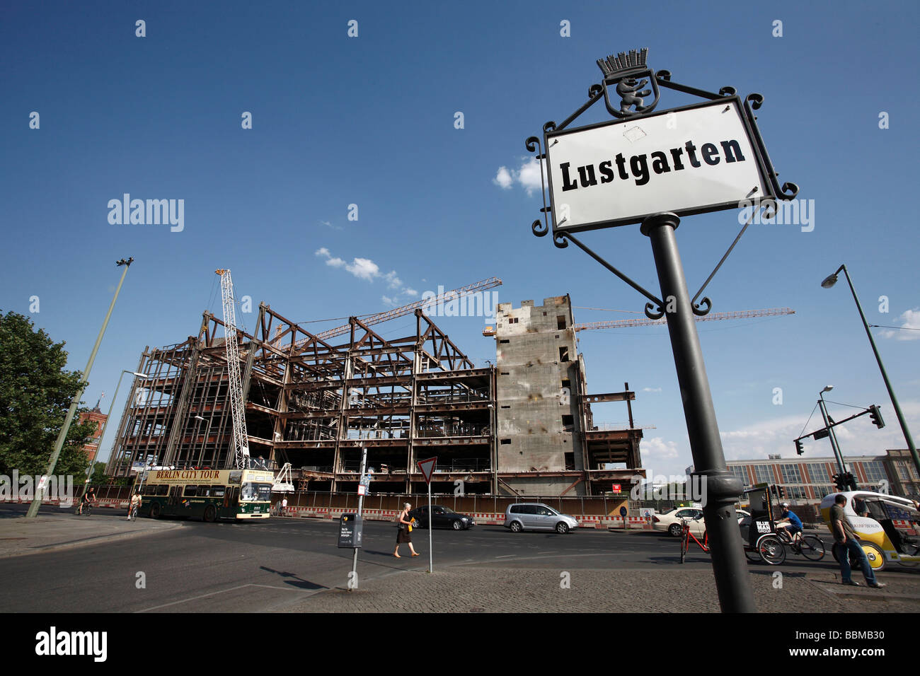 Lustgarten, sign in front of the Palace of the Republic during deconstruction, Berlin, Germany, Europe - Stock Image