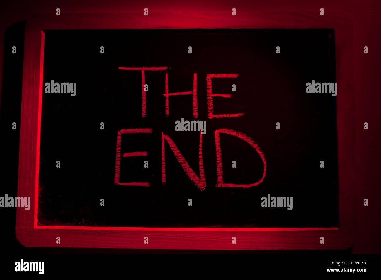 'THE END ' WRITTEN ON BLACKBOARD - Stock Image