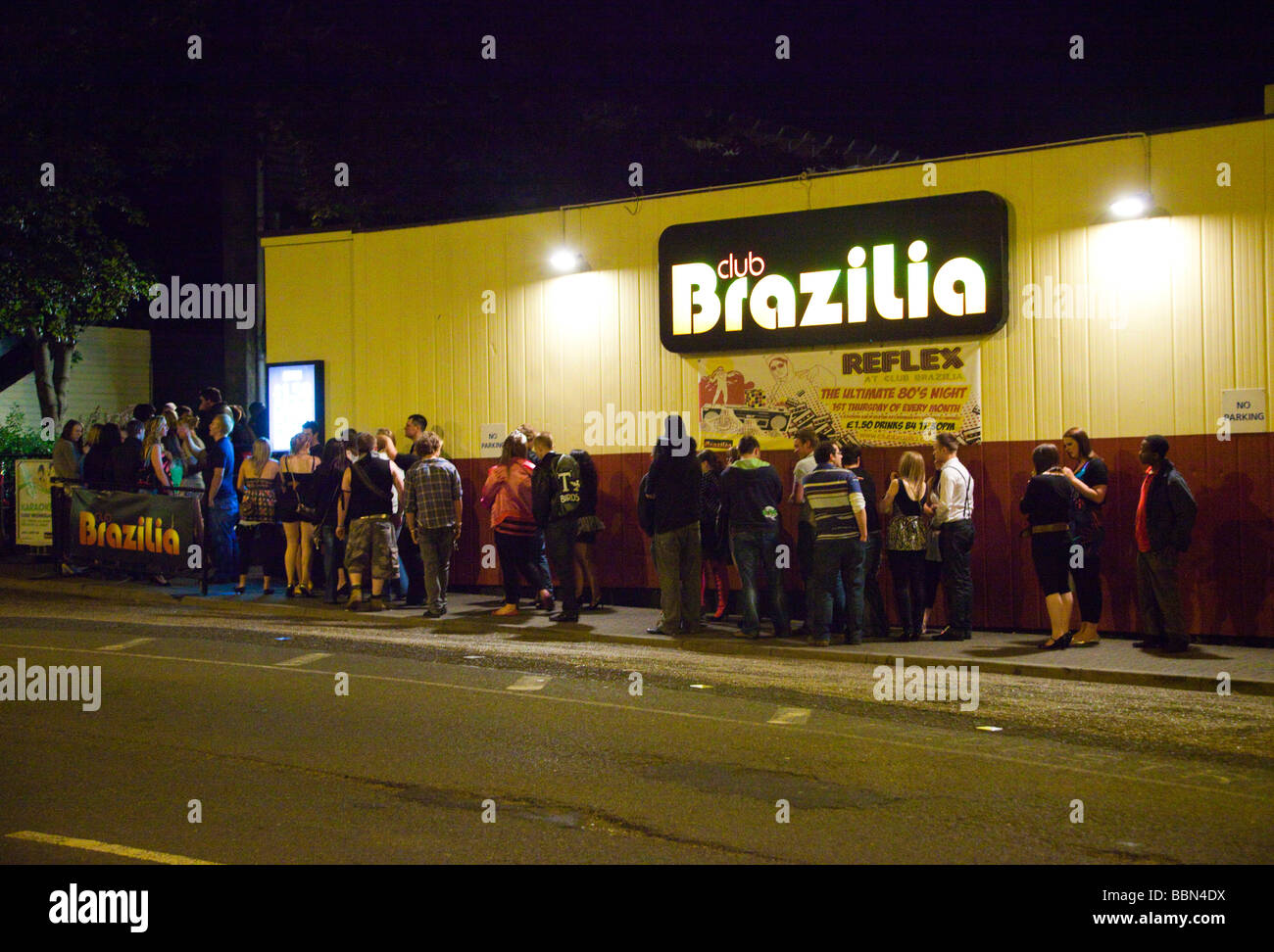 young people queuing to get into a nightclub owned by Luminar Leisure UK - Stock Image