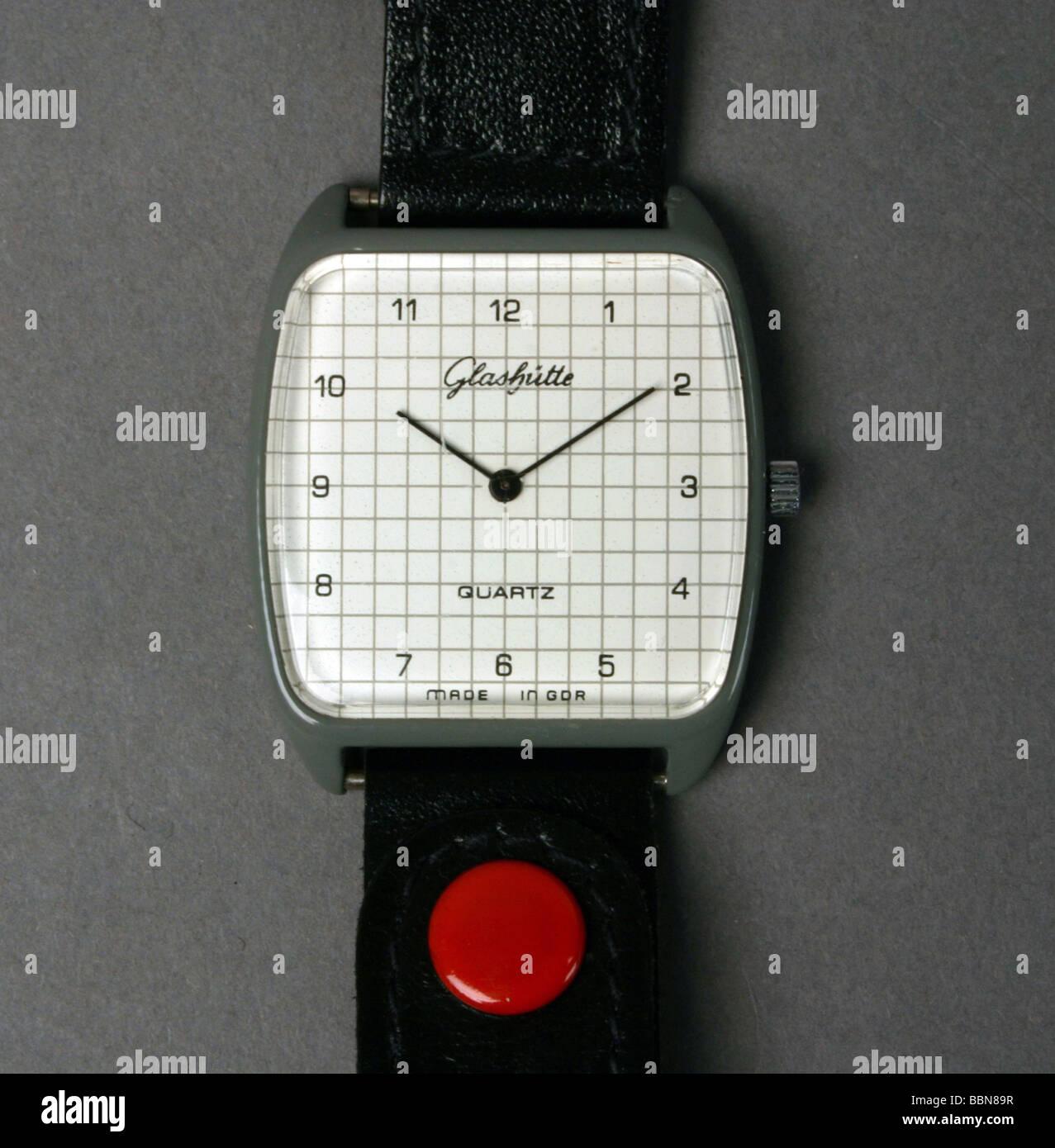 clocks, quartz watch for man (mass production),  made by VEB Uhrenwerk Glashütte, VEB Mikroelektronik Erfurt, - Stock Image