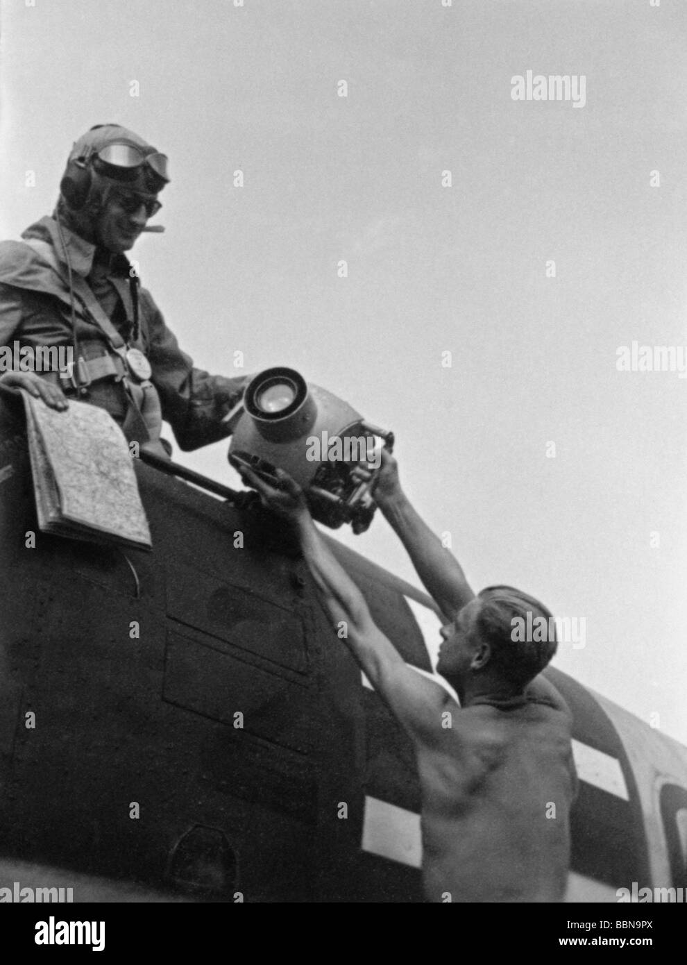 events, Second World War / WWII, Russia, aerial warfare, observer of a German close reconnaissance aircraft Henschel - Stock Image