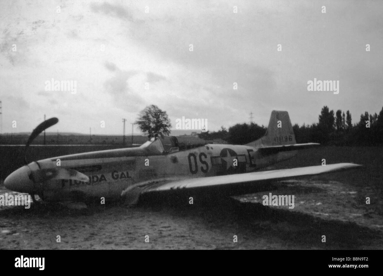 events-second-world-war-wwii-aerial-warfare-aircraft-crashed-damaged-BBN9T2.jpg