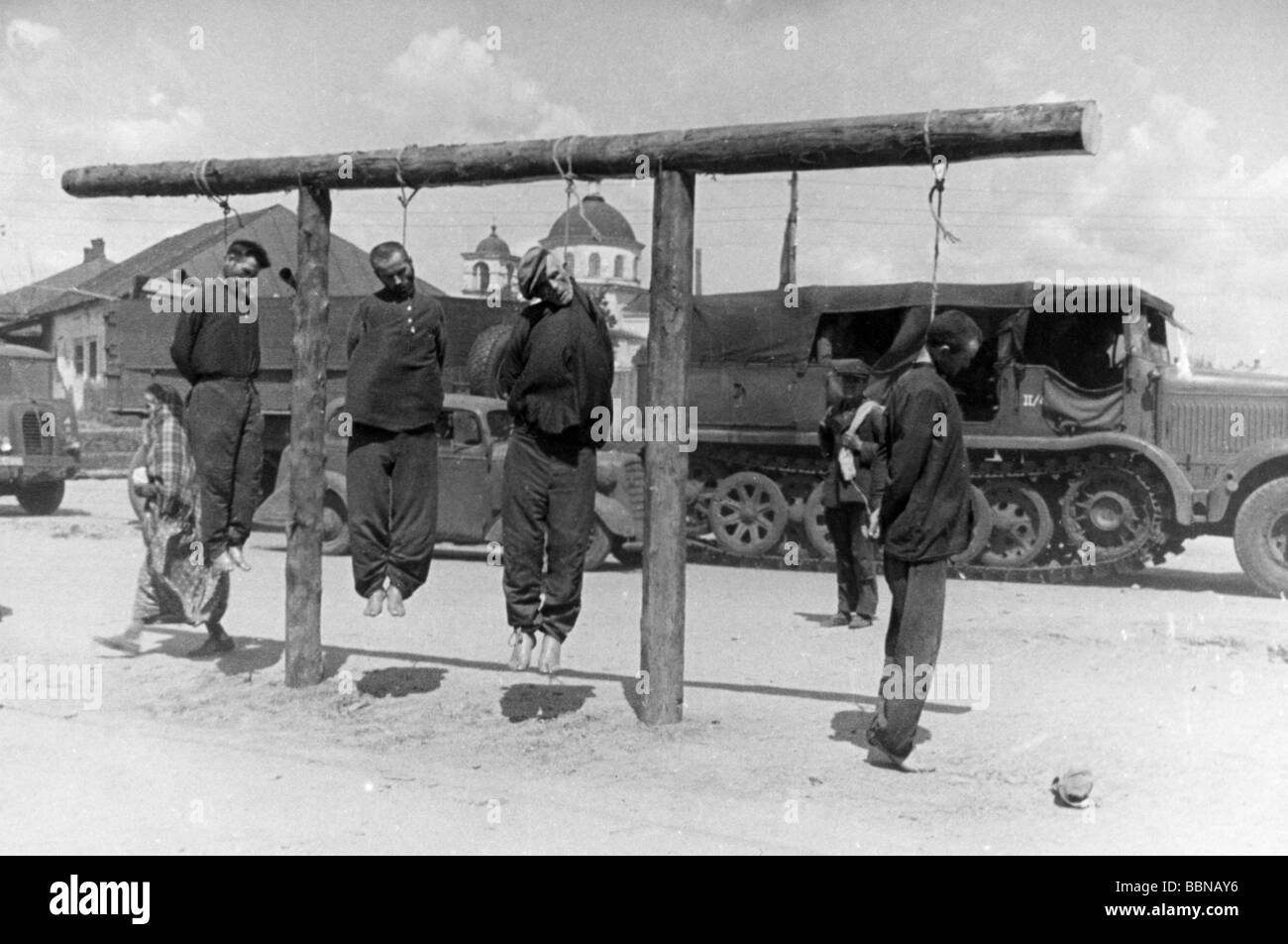 events, Second World War / WWII, Russia 1942 / 1943, partisan warfare,  hanged Soviet partisans at Merefa near Kharkov, summer 1942, in the  background, ...