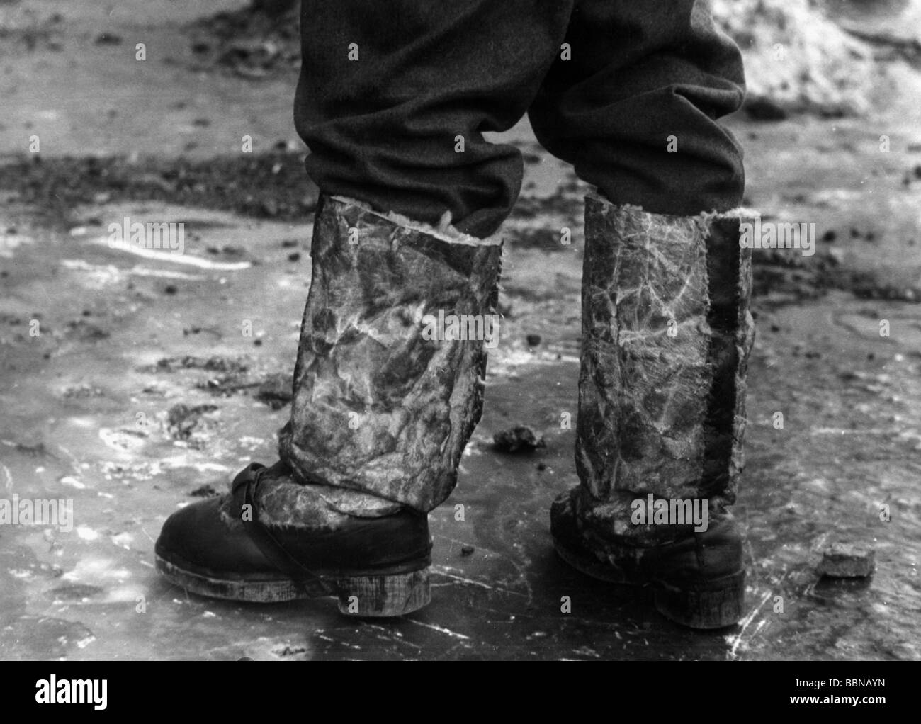 events, Second World War / WWII, German Wehrmacht, self-made winter boots, made of lambskin, wood and leather, against - Stock Image