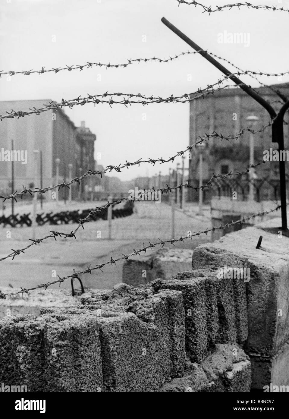 geography / travel, Germany, Berlin, wall, view through the barbed ...