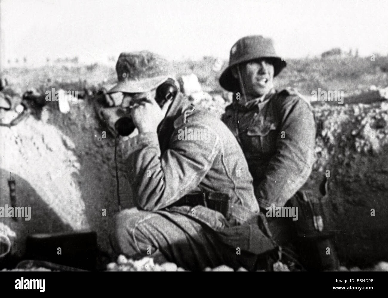 events, Second World War / WWII, North Africa, German forward post with field telephone, circa 1941, Additional - Stock Image