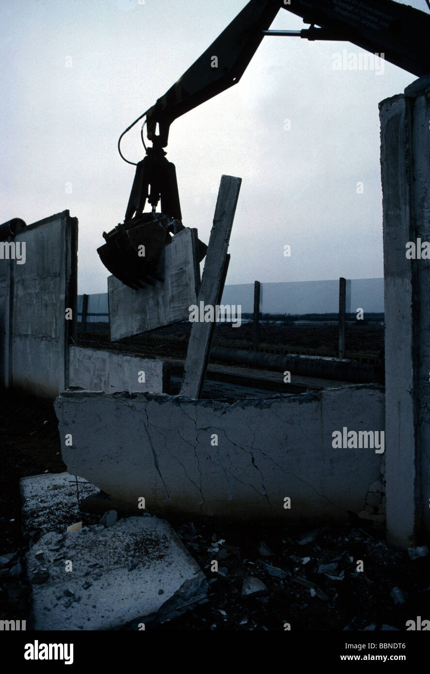 geography / travel, Germany, reunification, fall of the Berlin Wall, January 1990, Stock Photo