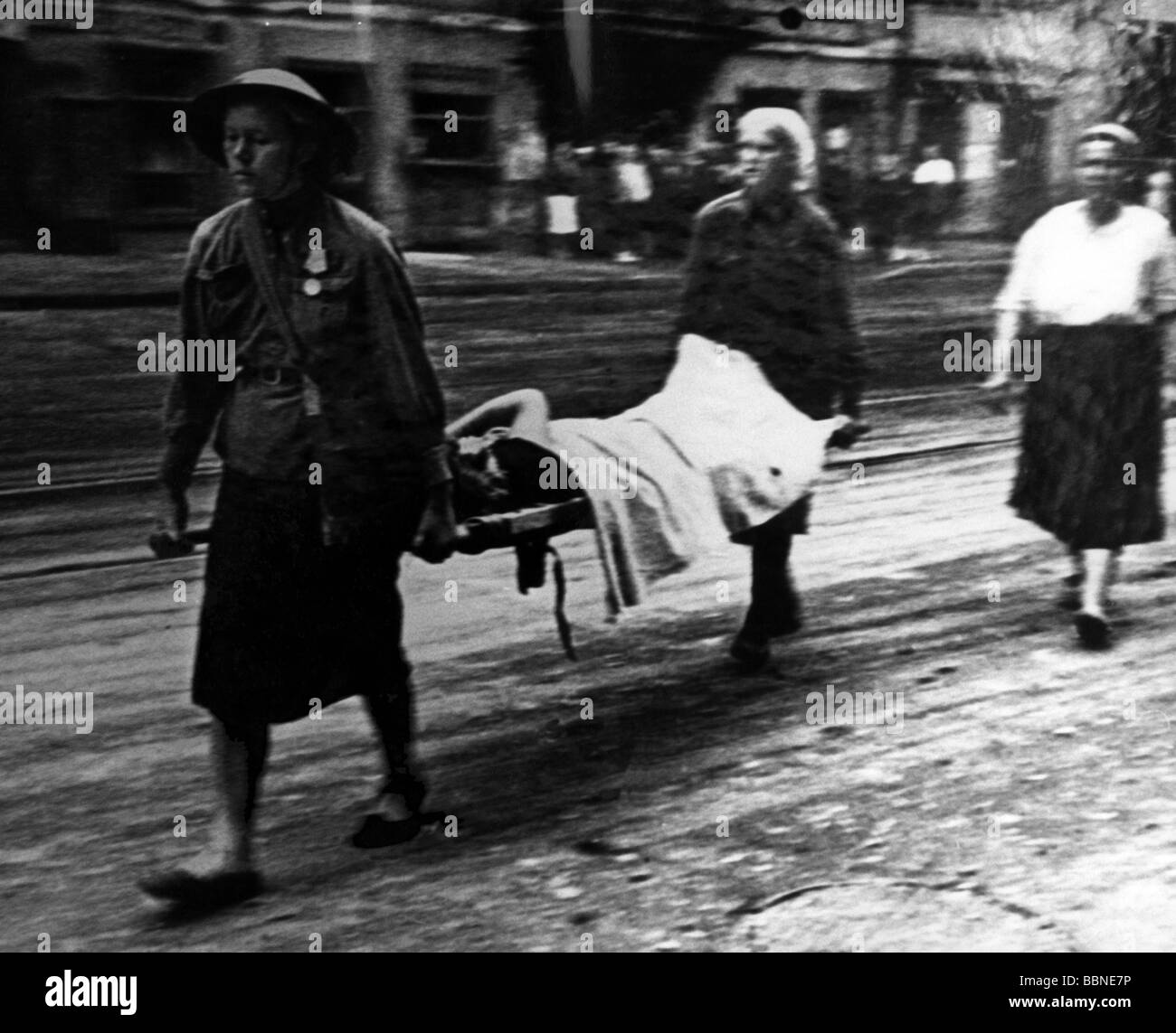 events, Second World War / WWII, Russia, Leningrad, siege, September 1941 - January 1944, ambulance women carrying - Stock Image