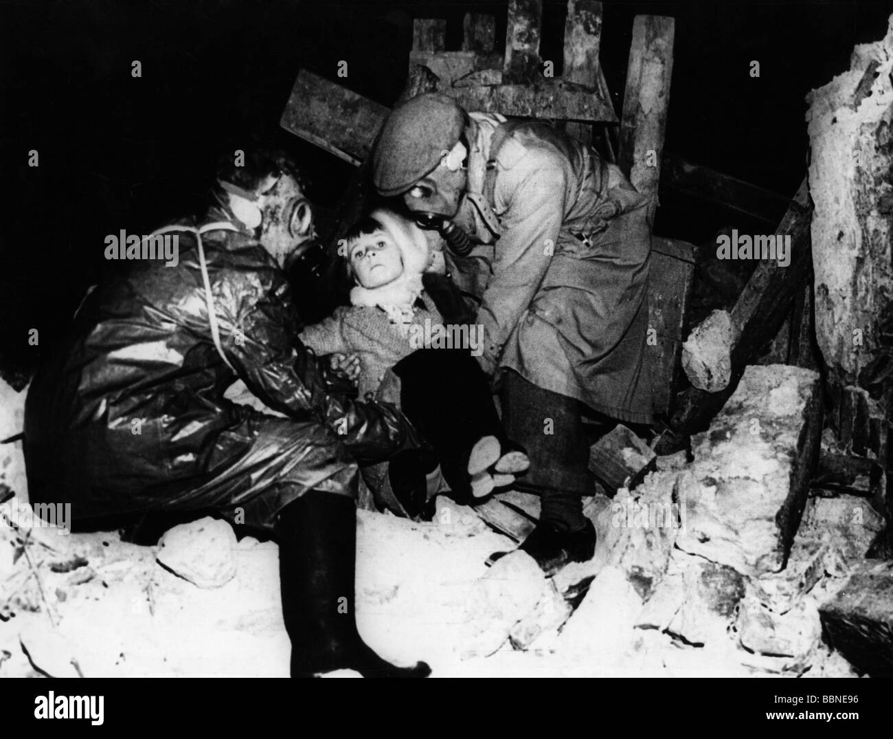 events, Second World War / WWII, Great Britain, events, a realistic air-raid drill in London, circa 1939, Additional - Stock Image
