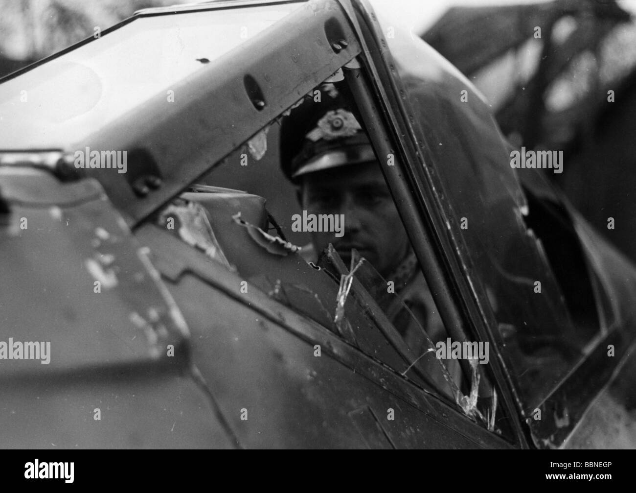 events, Second World War / WWII, aerial warfare, aircraft, crashed / damaged, cockpit of a German fighter Focke - Stock Image