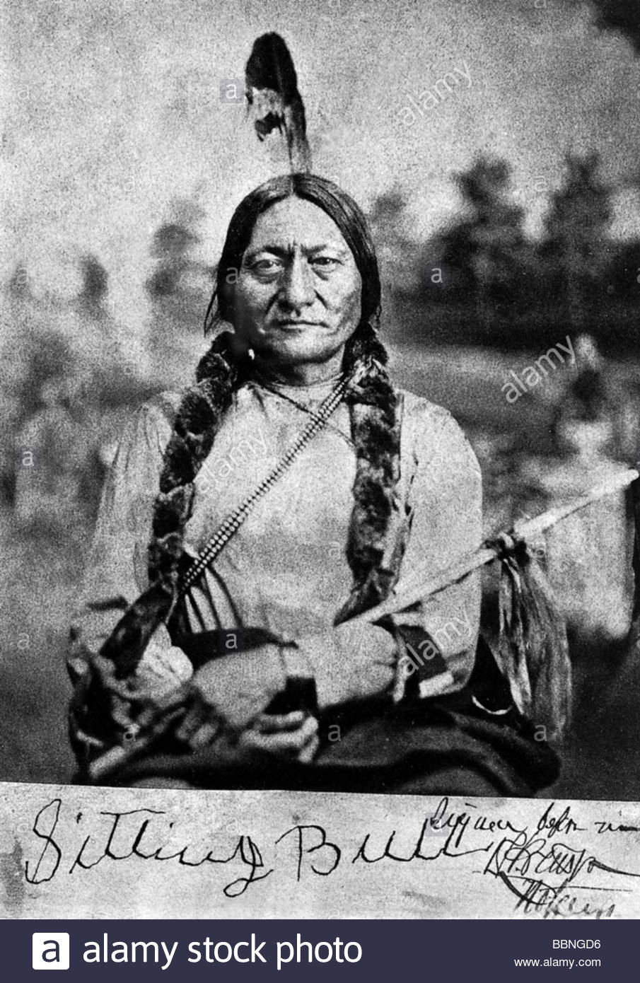 an analysis of sitting bull as a hunkpapa lakota chief Sitting bull was a hunkpapa lakota holy man who led his people as a tribal chief during years of resistance to united states government policies he was killed by indian agency police on the standing rock indian reservation during an attempt to arrest him, at a time when authorities feared that he.