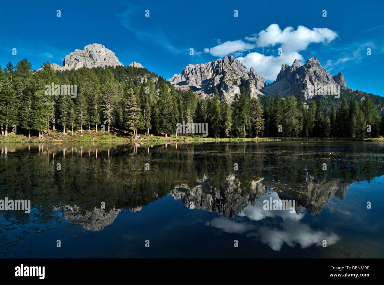 geography / travel, Italy, Veneto, reflexion of mountain summits in Lake Antorno, Additional-Rights-Clearance-Info - Stock Image