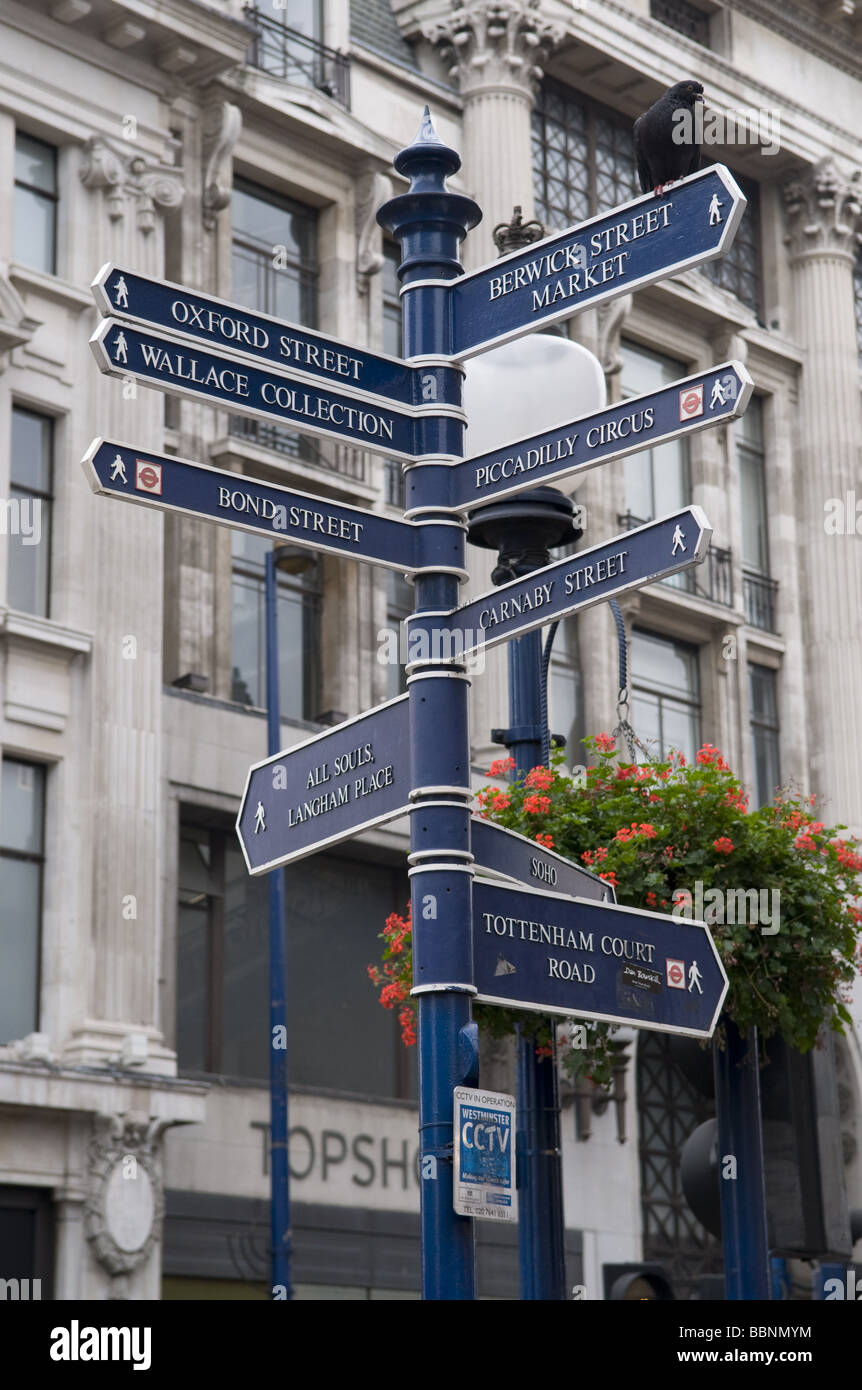 geography / travel, Great Britain, London, guidepost, Additional-Rights-Clearance-Info-Not-Available - Stock Image