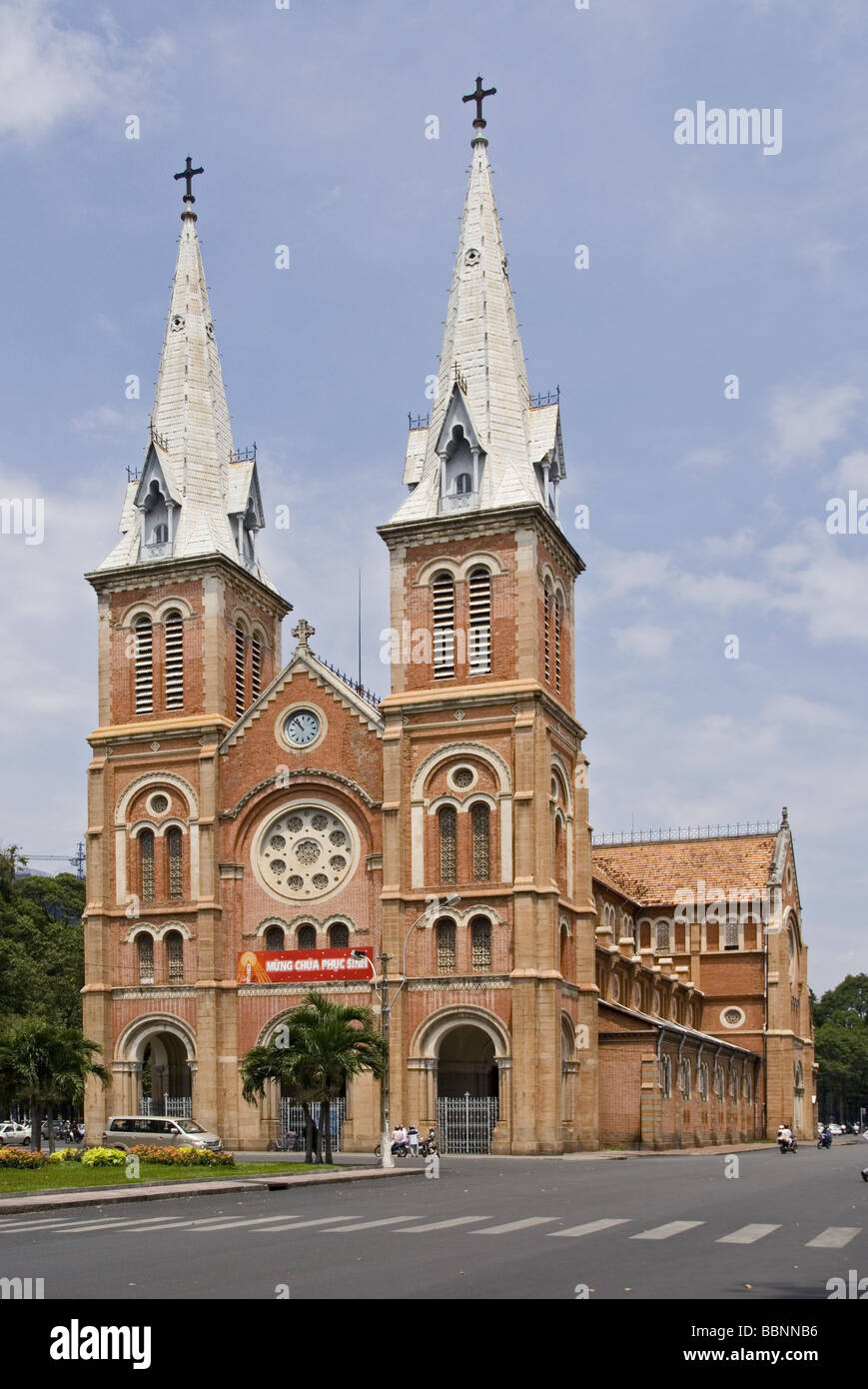 geography / travel, Vietnam, Ho Chi Minh, Notre-Dame Cathedral, built: 1877 - 1880, exterior view, Additional-Rights - Stock Image
