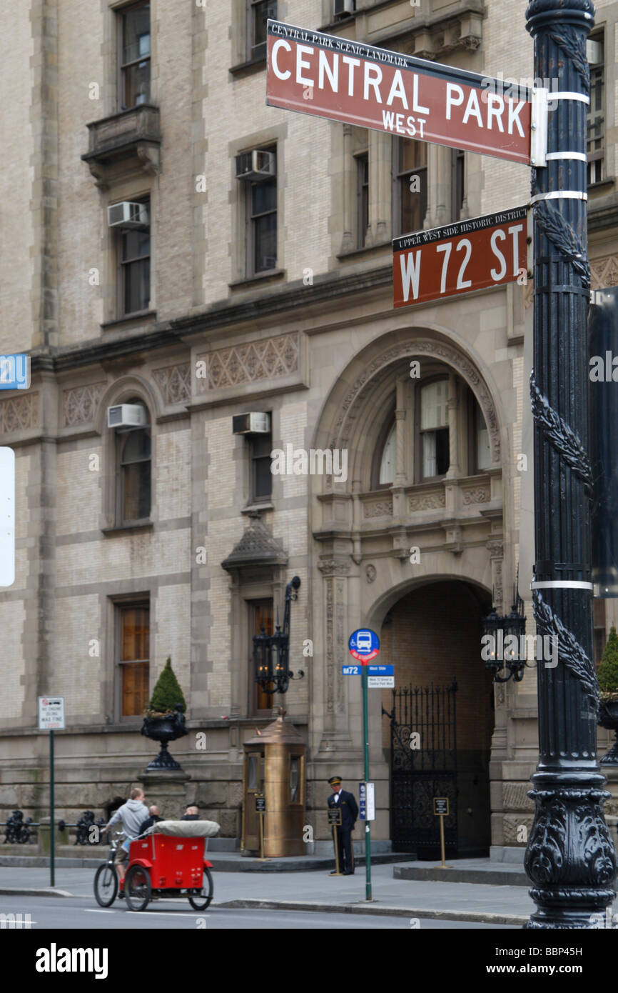 The main entrance to the Dakota Building (West 72nd St elevation), New York, where John Lennon was murdered in 1980. Stock Photo