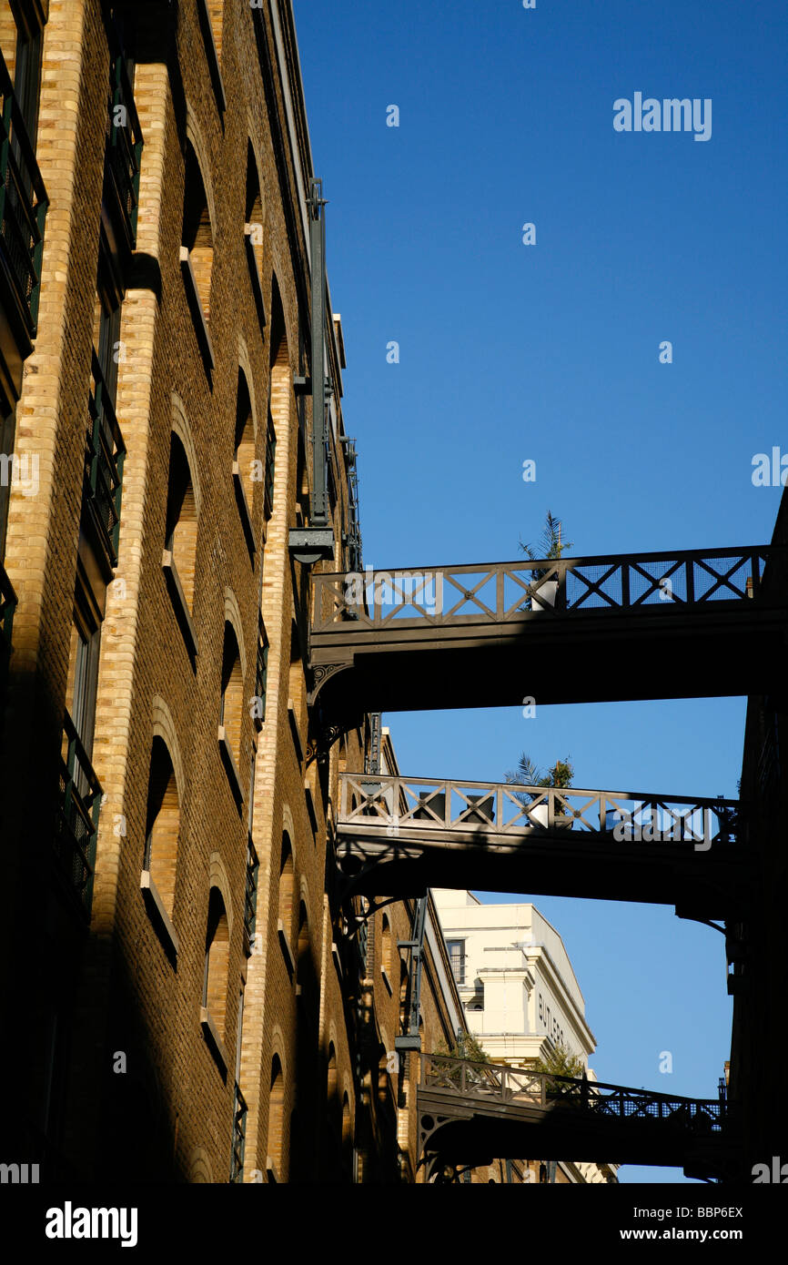 Apartment blocks on Shad Thames, Bermondsey, London, UK - Stock Image