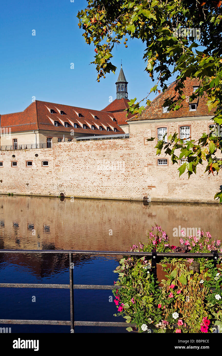 ENA, NATIONAL SCHOOL OF ADMINISTRATION ON THE BANKS OF THE ILL, STRASBOURG, BAS RHIN (67), ALSACE, FRANCE, EUROPE Stock Photo