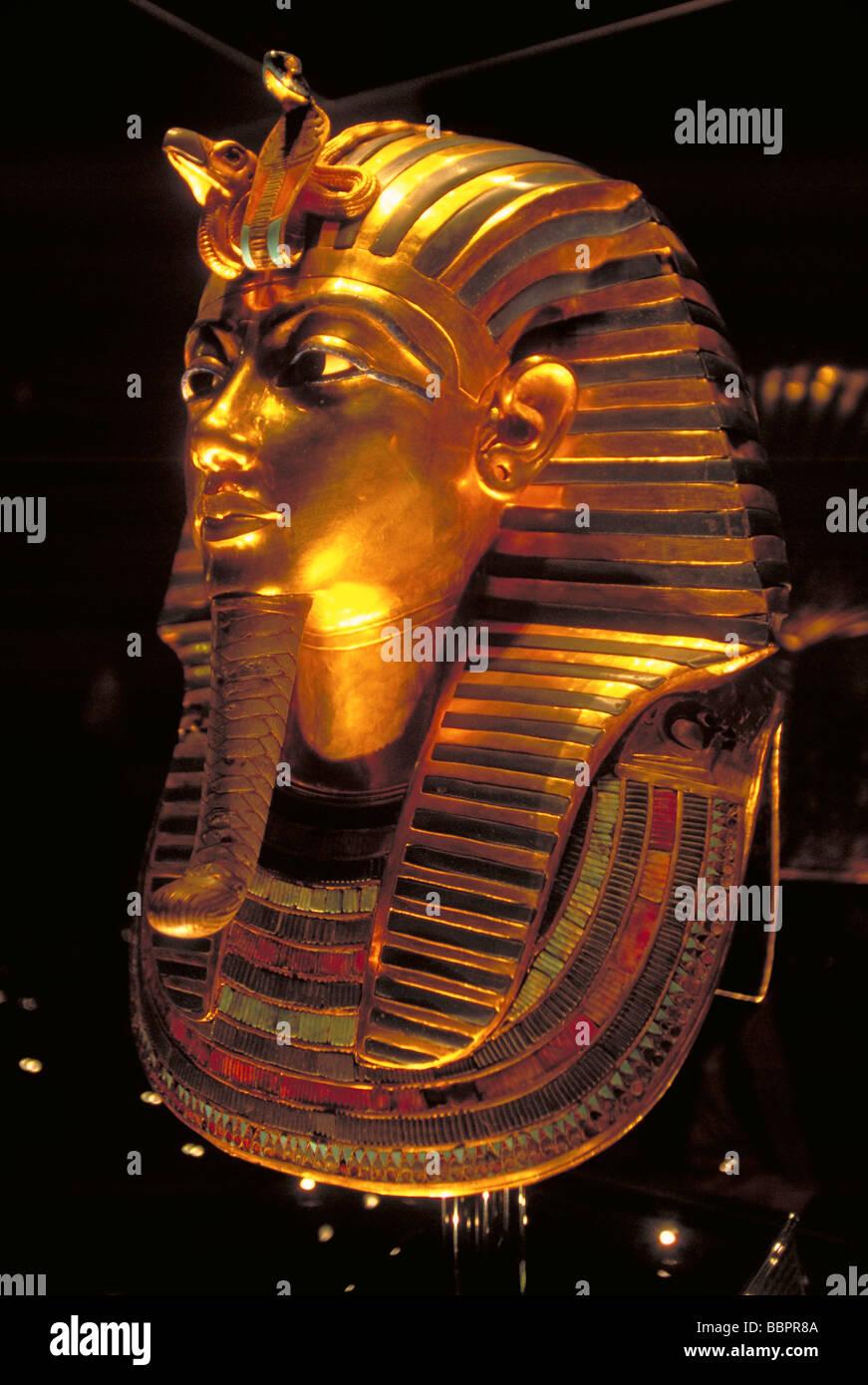 Elk157 1238 Egypt Cairo Egyptian Museum tomb of Tutankhamun treasures 14th c BC funerary mask - Stock Image