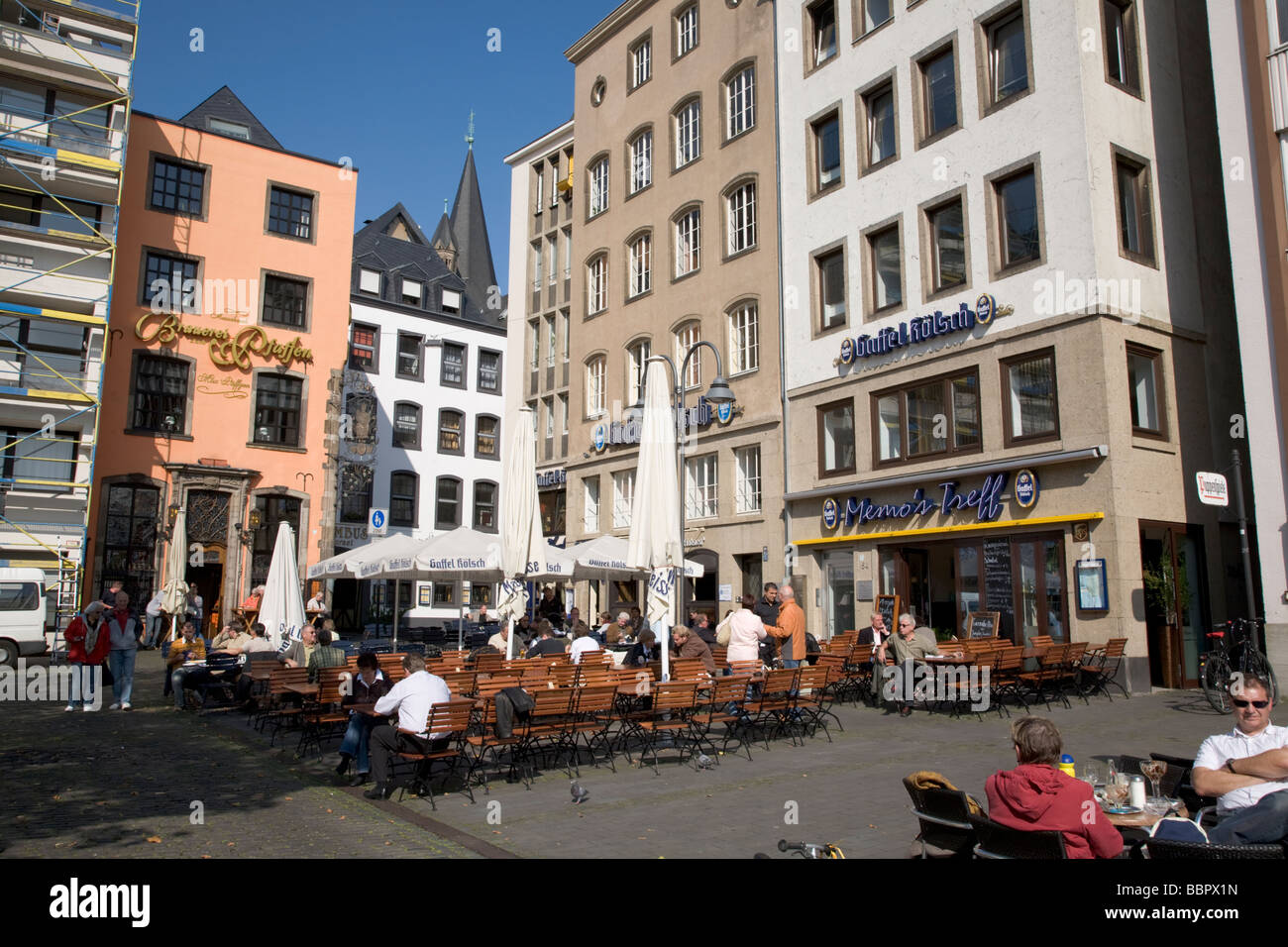 cafes and restaurant scene in cologne altstadt district