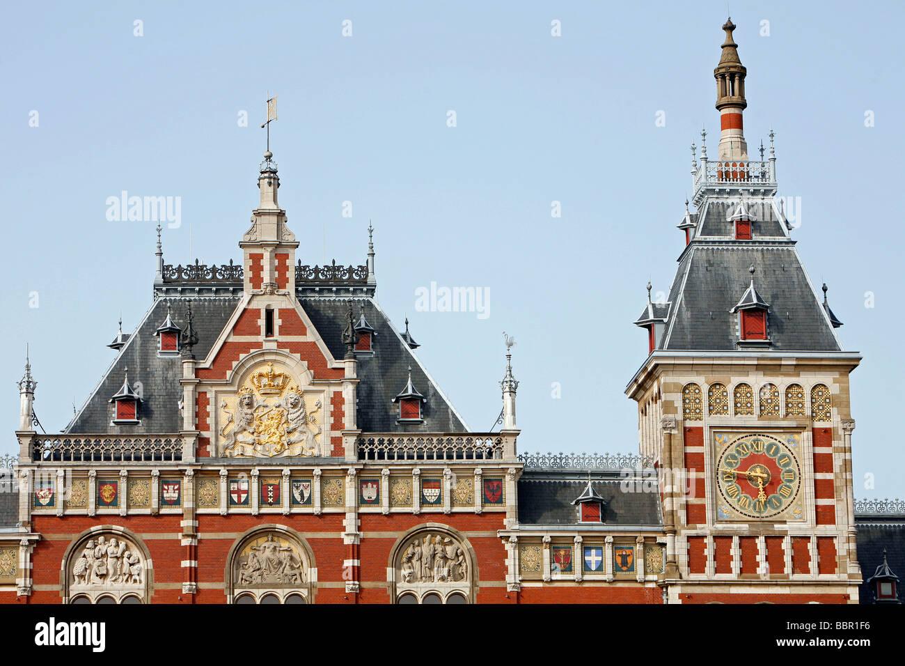 DUTCH RENAISSANCE STYLE FACADE, CENTRAAL STATION, MAIN TRAIN STATION, AMSTERDAM, NETHERLANDS, HOLLAND - Stock Image