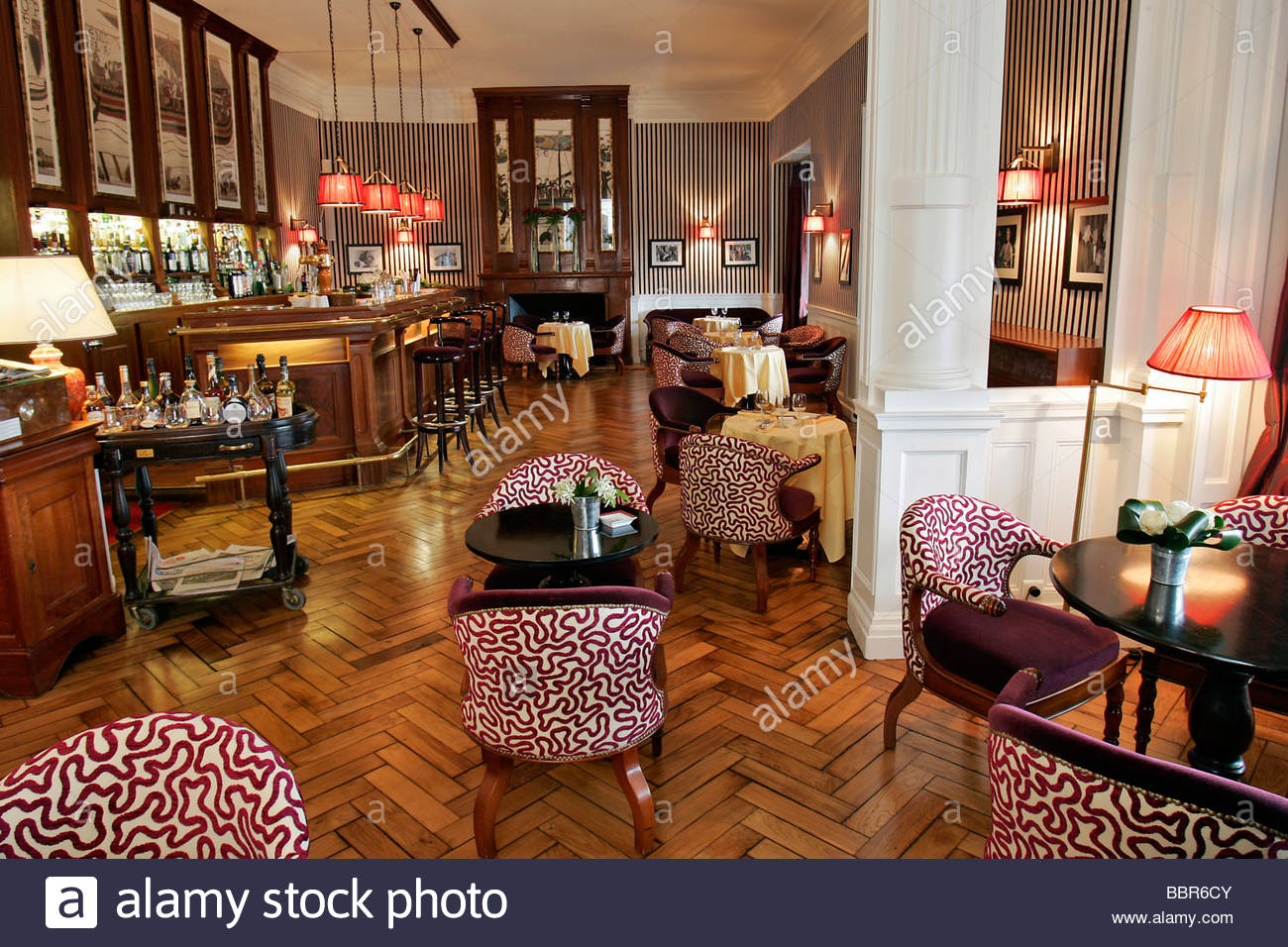 bar in the grand hotel 39 le 333 cafe 39 dinard ille et. Black Bedroom Furniture Sets. Home Design Ideas