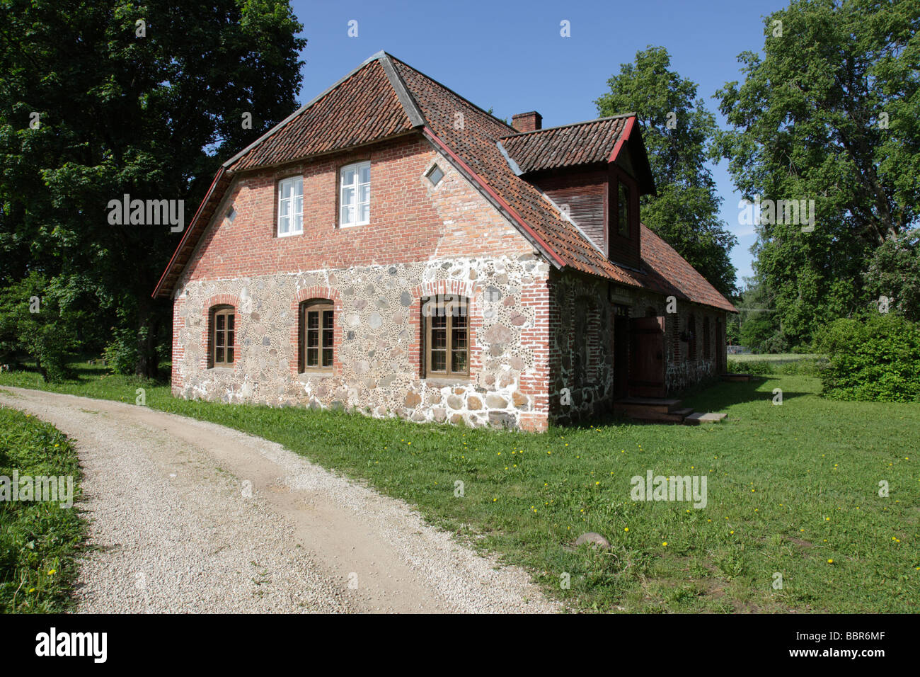 traditional house, museum at Heimtali near Viljandi, Estonia, Baltic Nation, Eastern Europe. Photo by Willy Matheisl - Stock Image