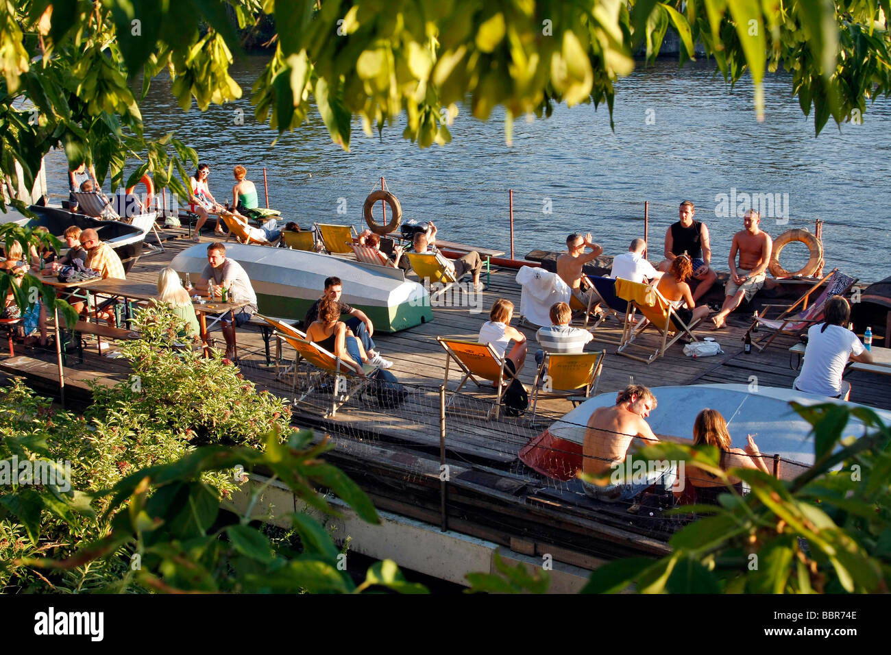 Boat Cafe Bar On The Spree Near The Site Of The East Side Gallery Stock Photo Alamy