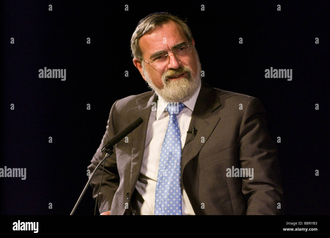 Chief Rabbi Jonathan Sacks pictured at Hay Festival 2009 - Stock Image