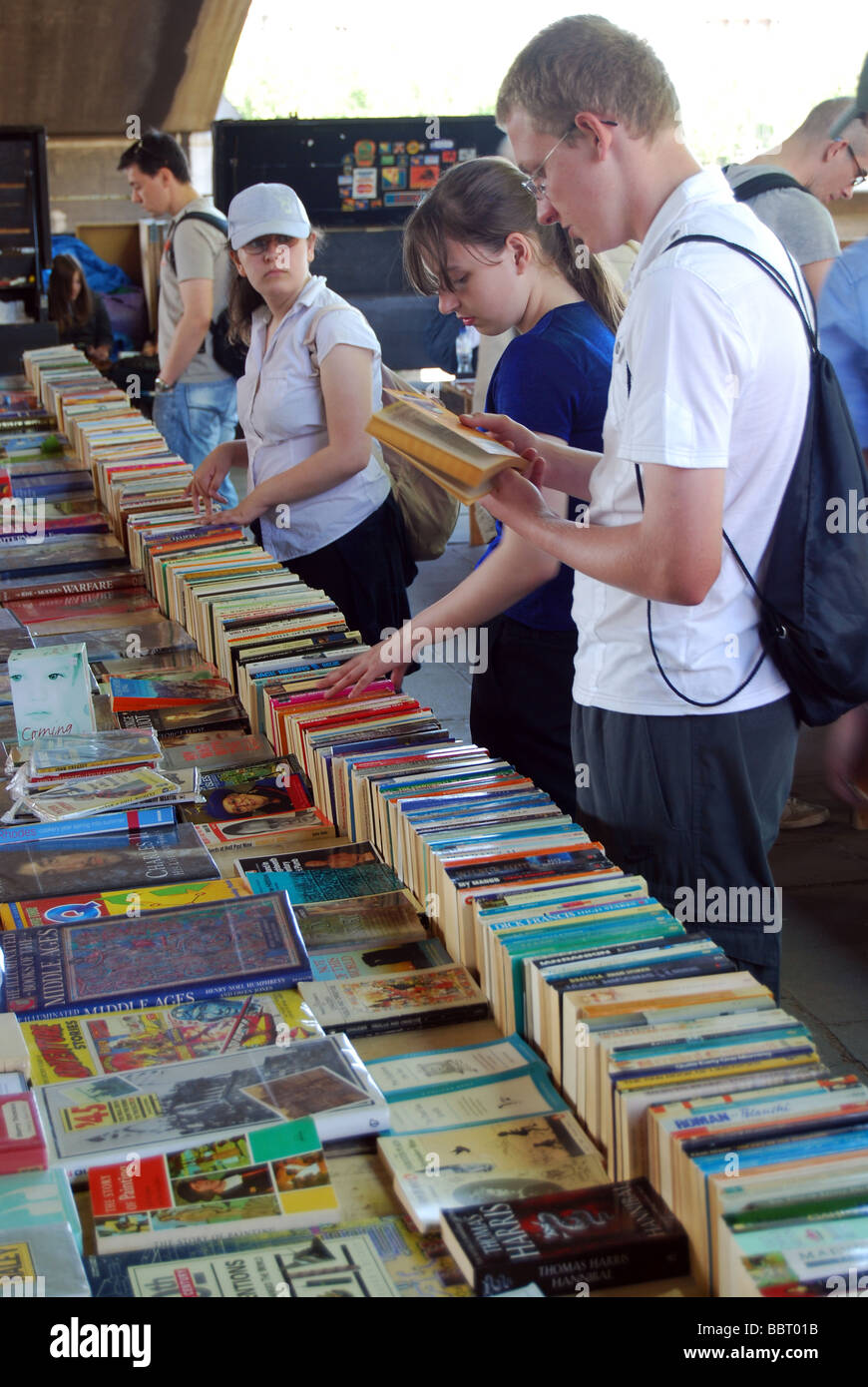 newsagents book stall liability - HD 870×1390