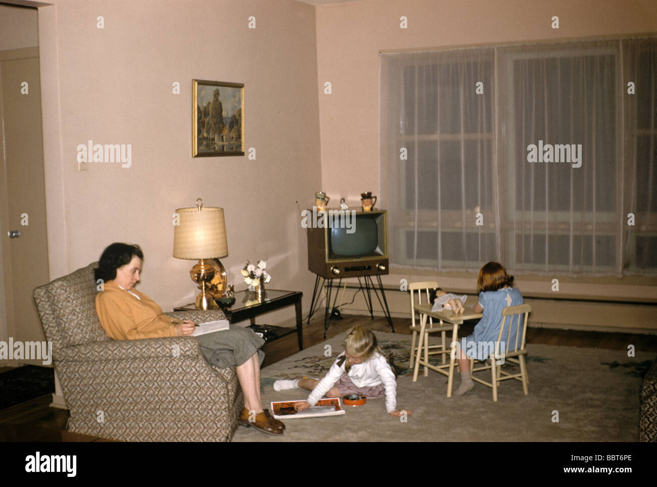 Family life at home, Canada 1956 - Stock Image