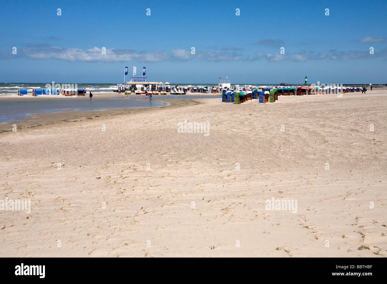 Warnemünde Beach with Strandkörbe, Mecklenburg Vorpommern, Germany - Stock Image