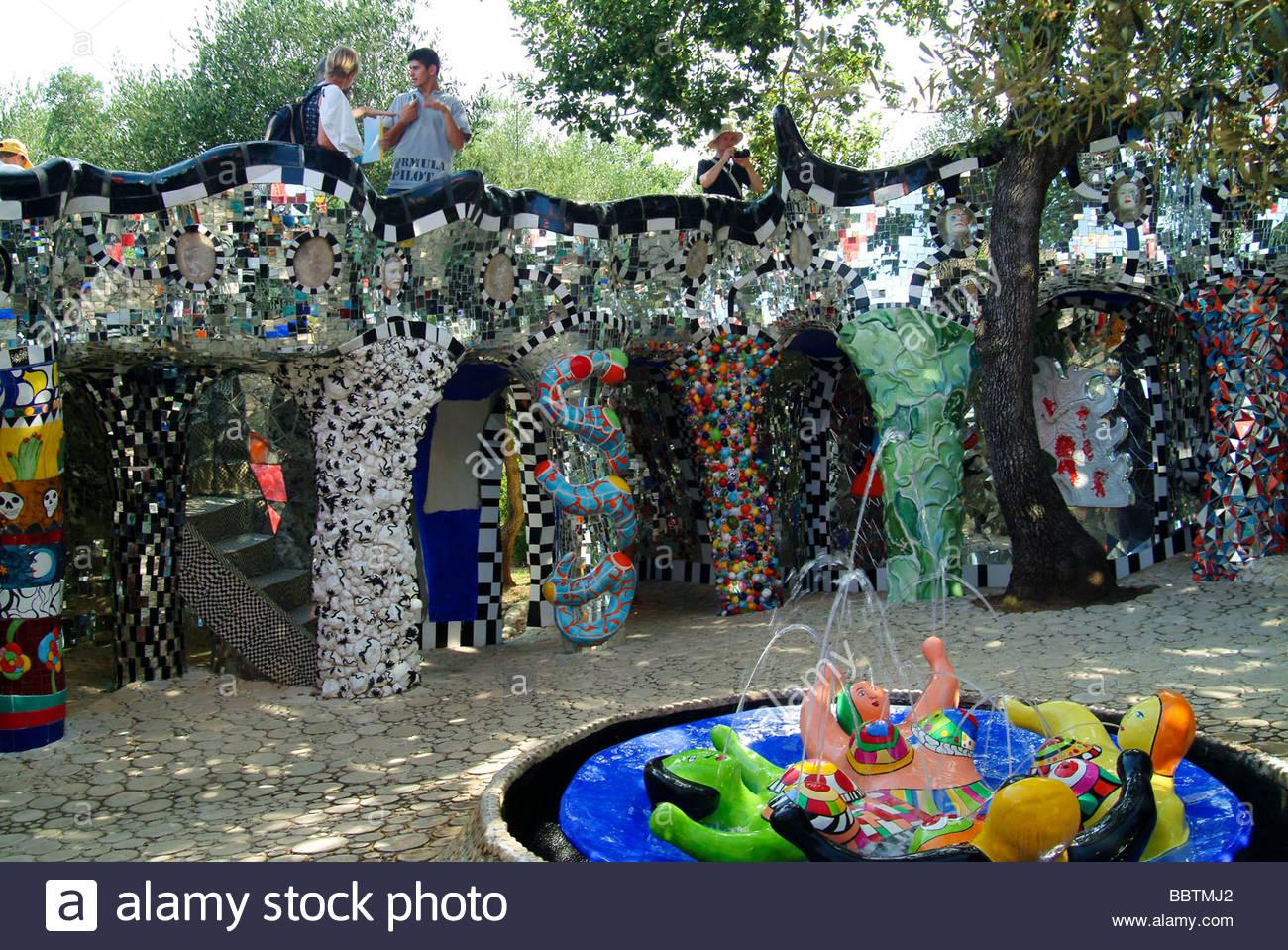 Giardino dei tarocchi garavicchio tuscany italy stock photo 24514618 alamy - Il giardino dei tarocchi ...