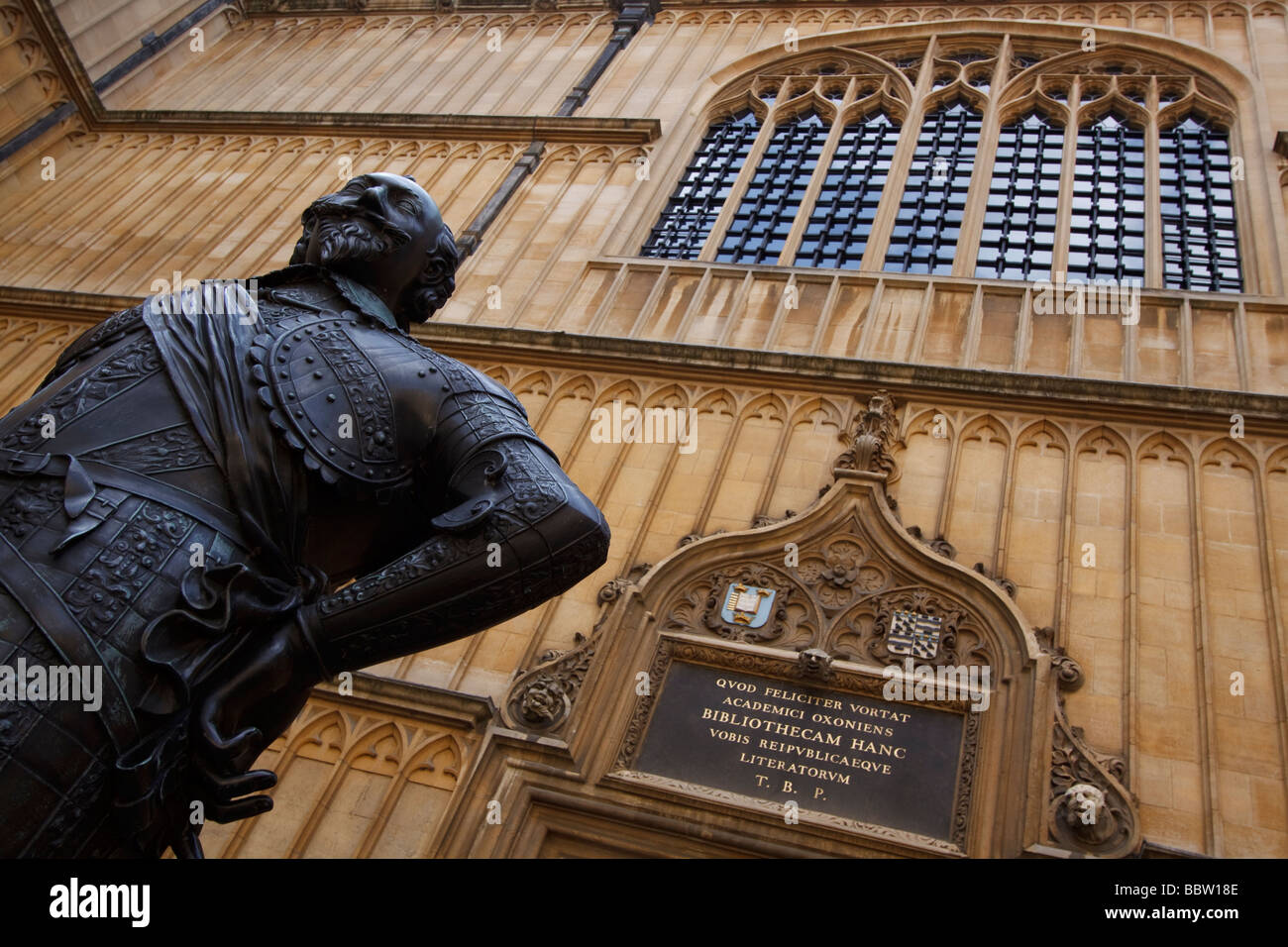 Statue of the Earl of Pembroke at the Bodleian Library, The University of Oxford - Stock Image