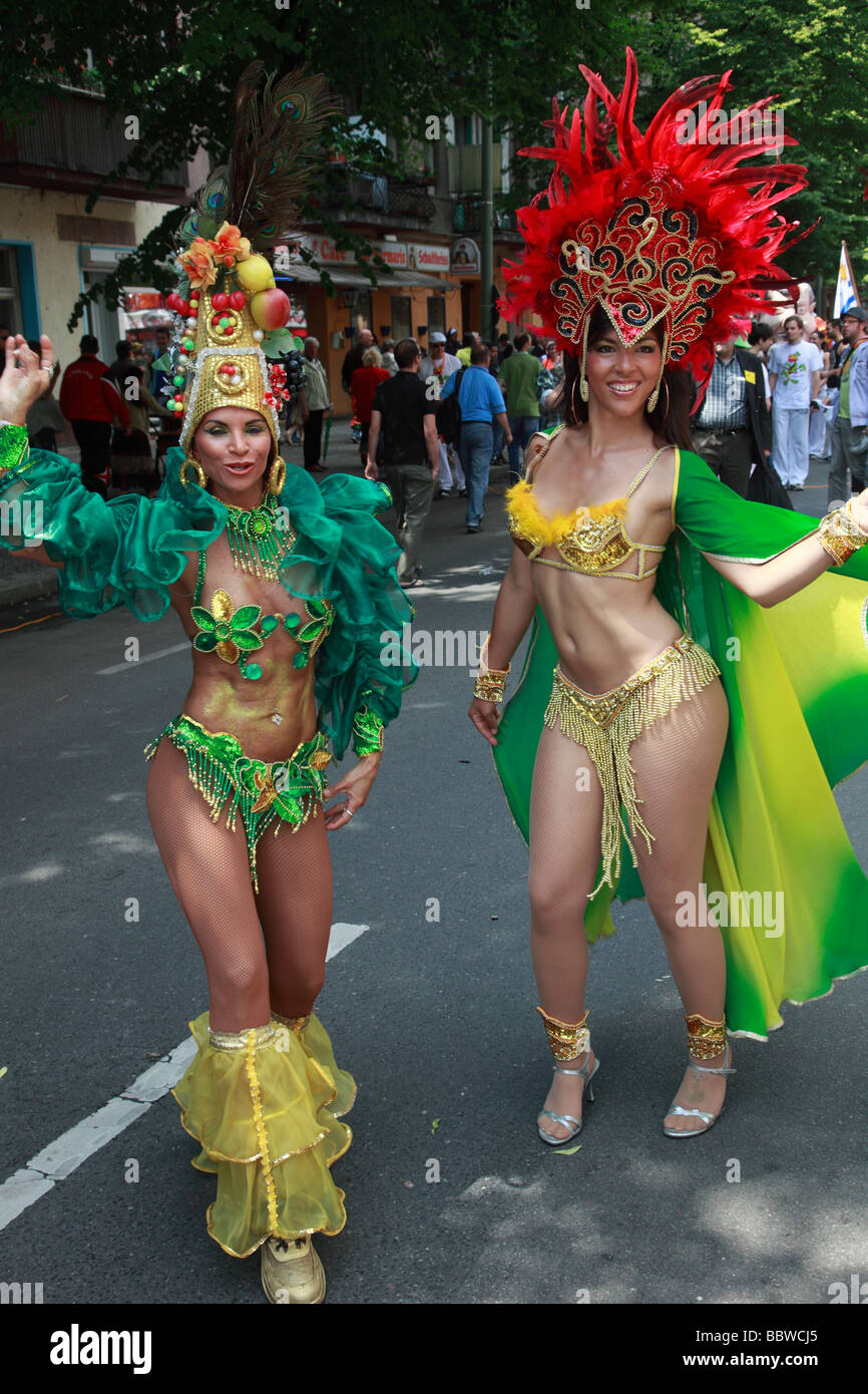 Germany Berlin Carnival of Cultures brazilian women in costume - Stock Image