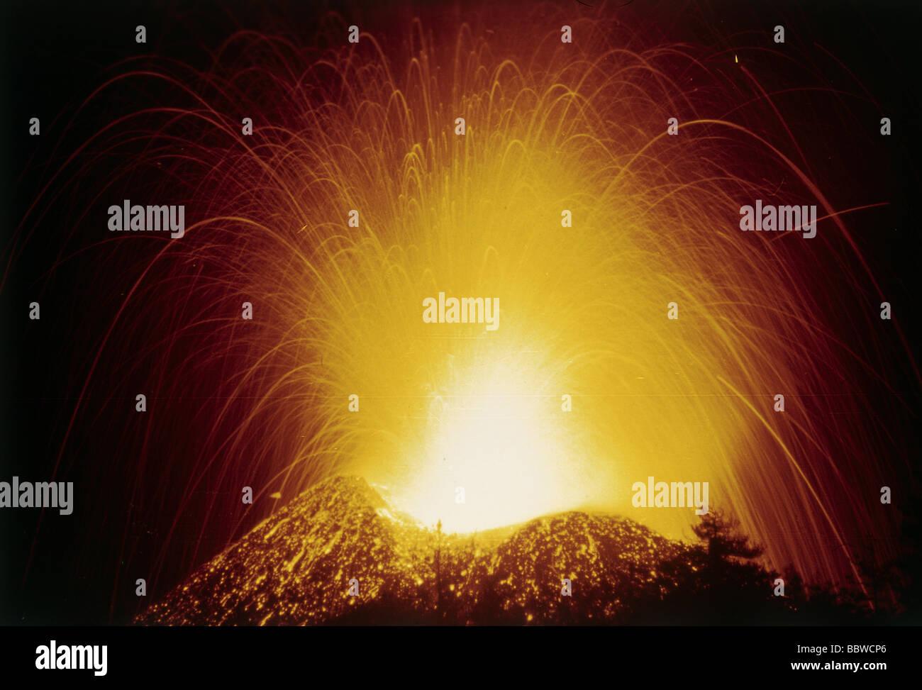 natural disaster / catastrophe, volcanic eruption, Mount Etna, during eruption, Sicily, Italy, 1984, volcanism, - Stock Image