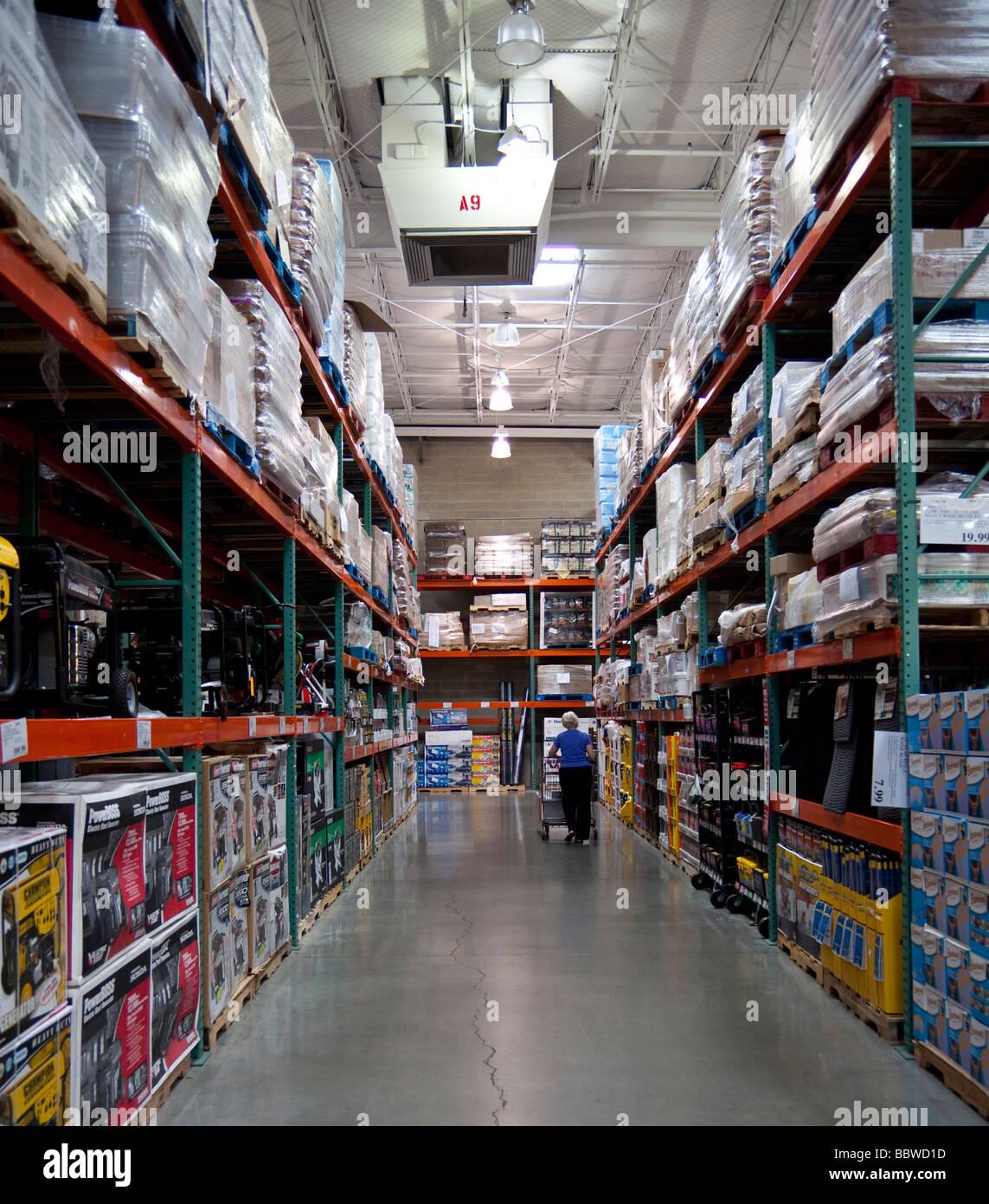 Auto Mart Usa >> automobile accessories products, Costco warehouse USA Stock Photo: 24530617 - Alamy