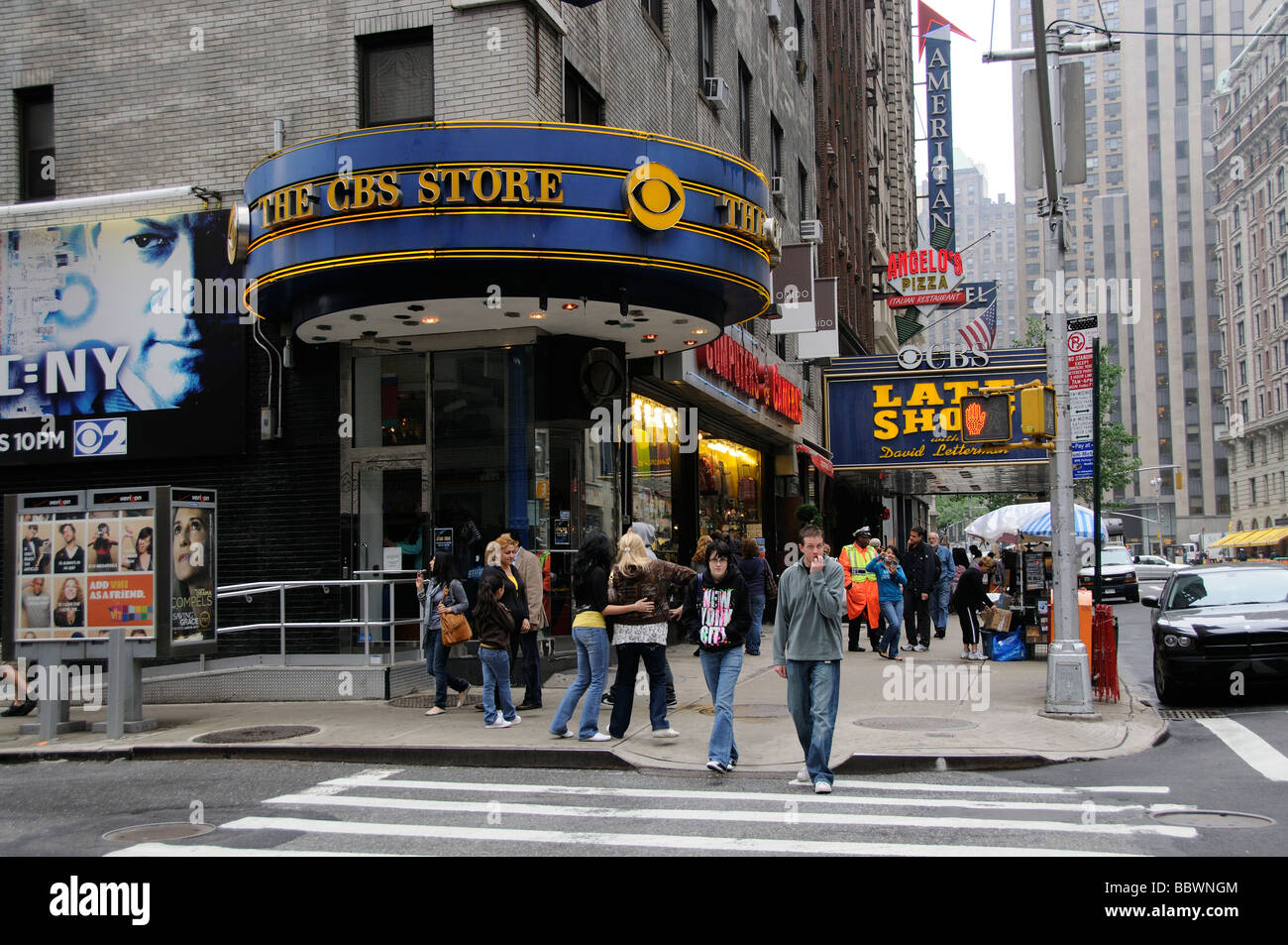 Watch CBS television online. Find CBS primetime, daytime, late night, and classic tv episodes, videos, and information.