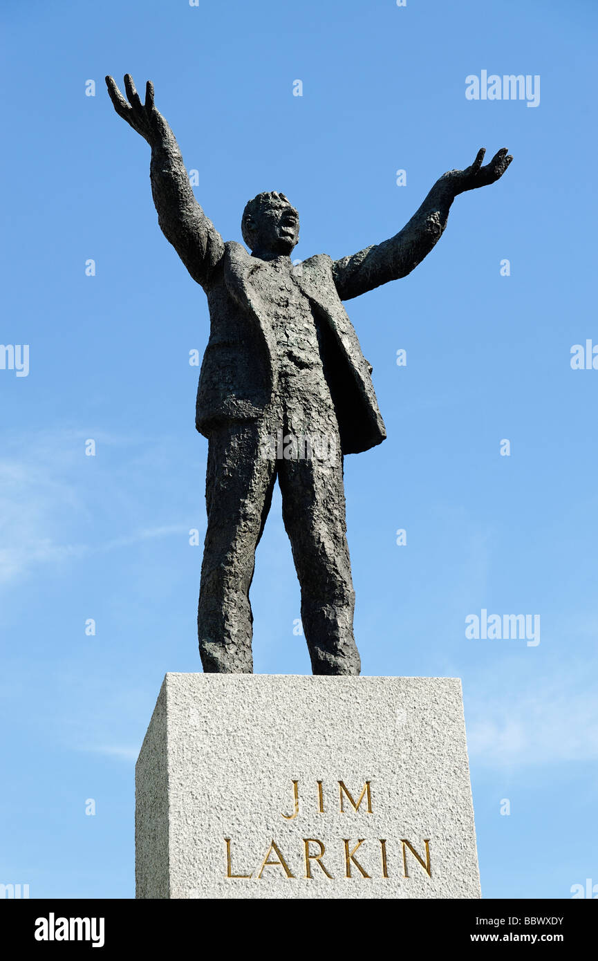 Jim Larkin statue on O Connell Street by sculpture Oisín Kelly Dublin Republic of Ireland - Stock Image