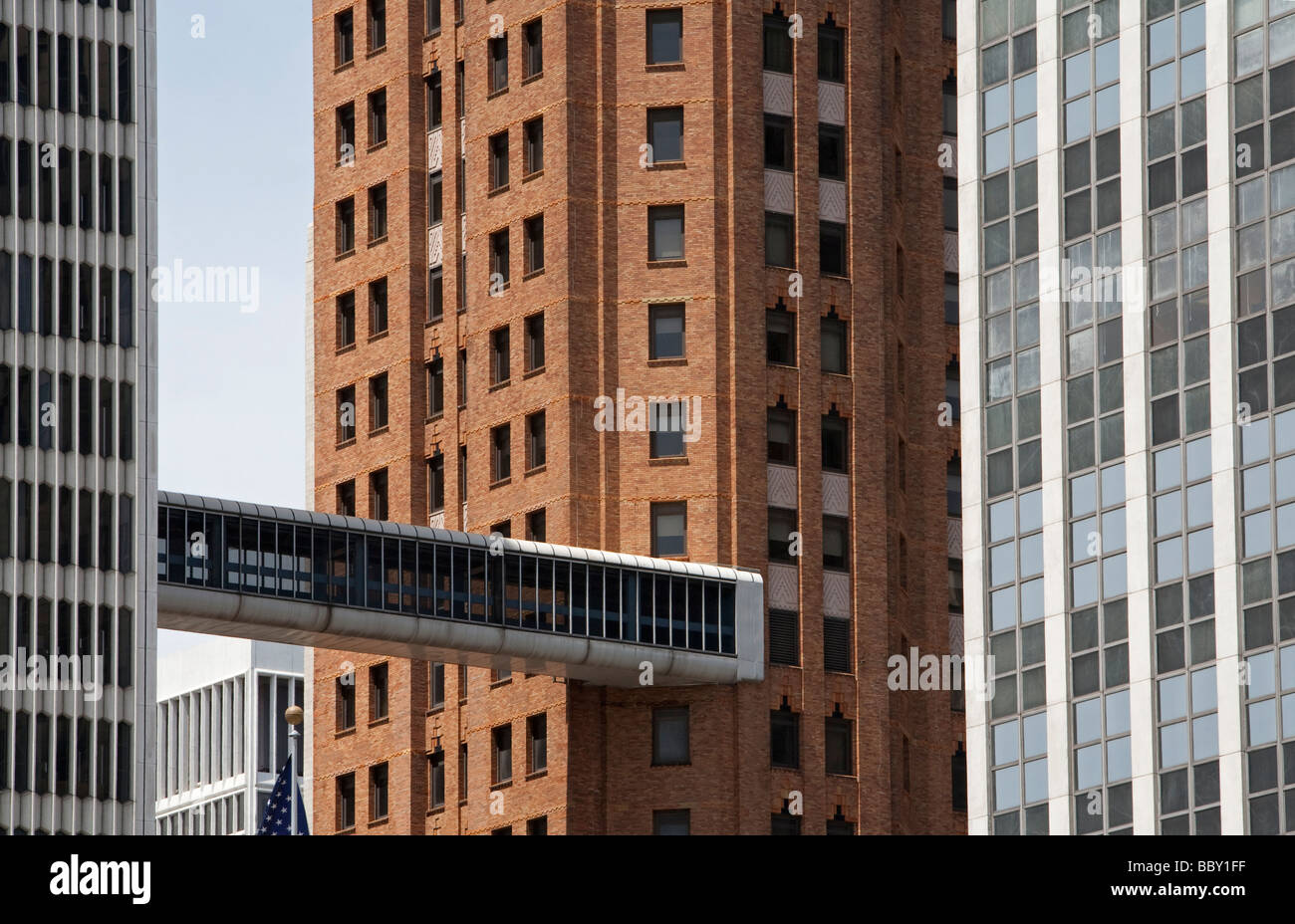 Skybridge connects historic and modern buildings in Detroit - Stock Image