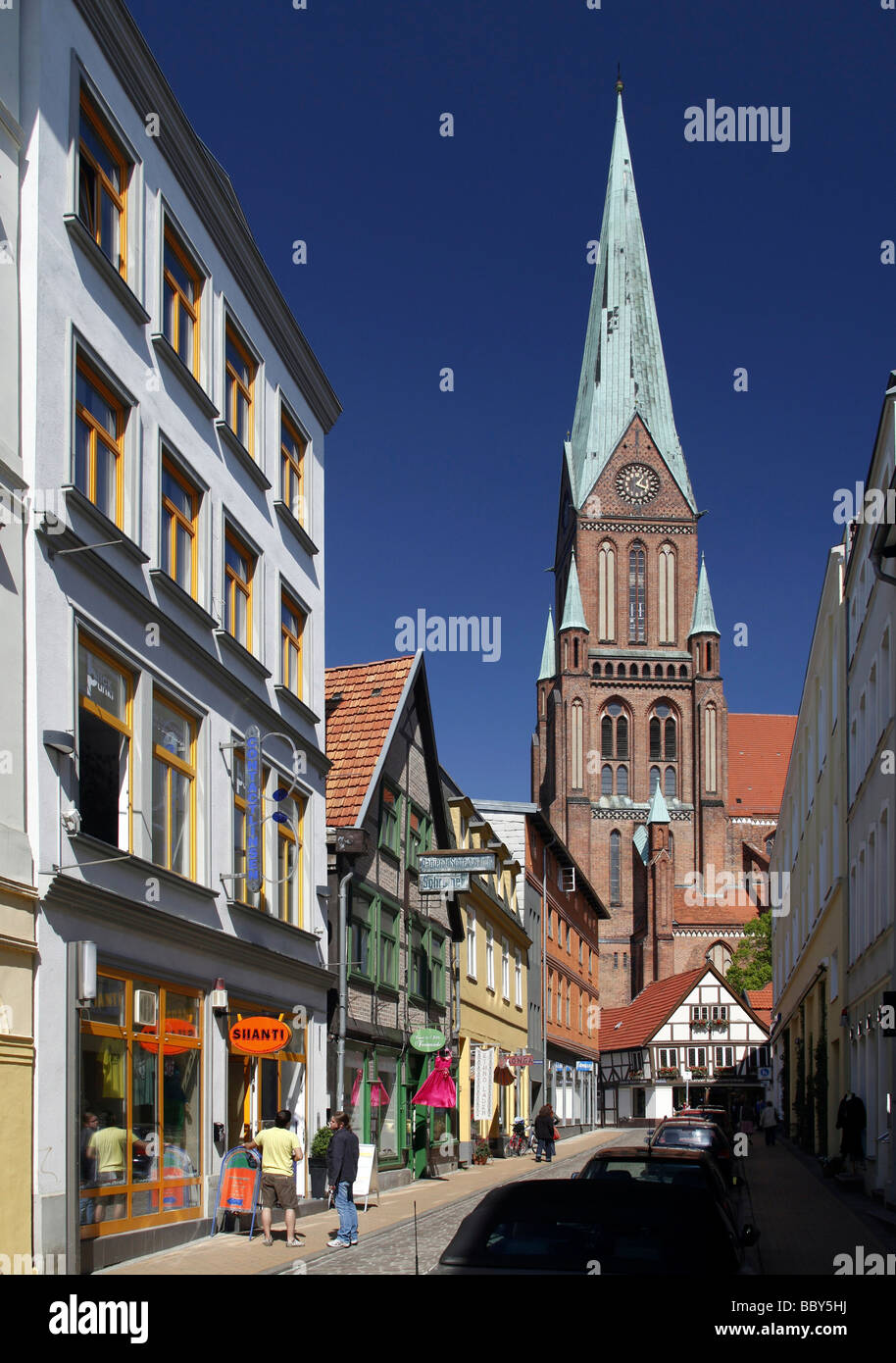 Lane in the old town with view on the Schweriner Dom cathedral, Schwerin, Mecklenburg-Western Pomerania, Germany, Stock Photo