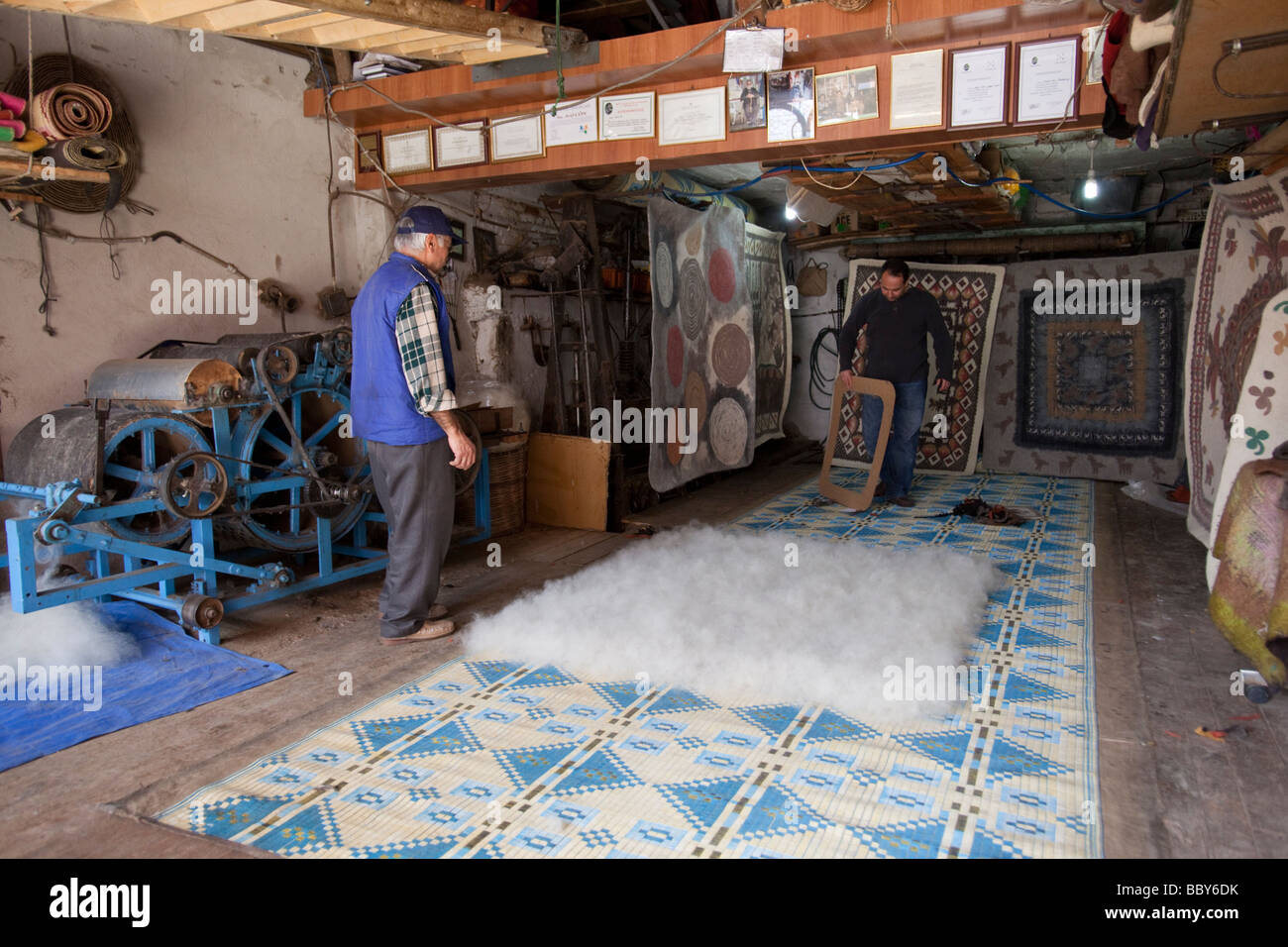 Small felt rug factory in western Turkey - Stock Image