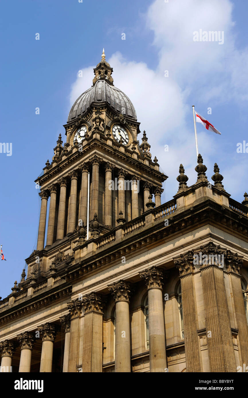 flag of saint george flying from leeds town hall built in 1858 designed by cuthbert brodrick leeds yorkshire uk - Stock Image
