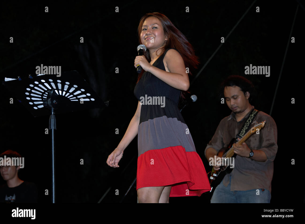 Female singer  Estrella performing on stage at the Hua Hin jazz festival 2009 Thailand S.E. Asia - Stock Image