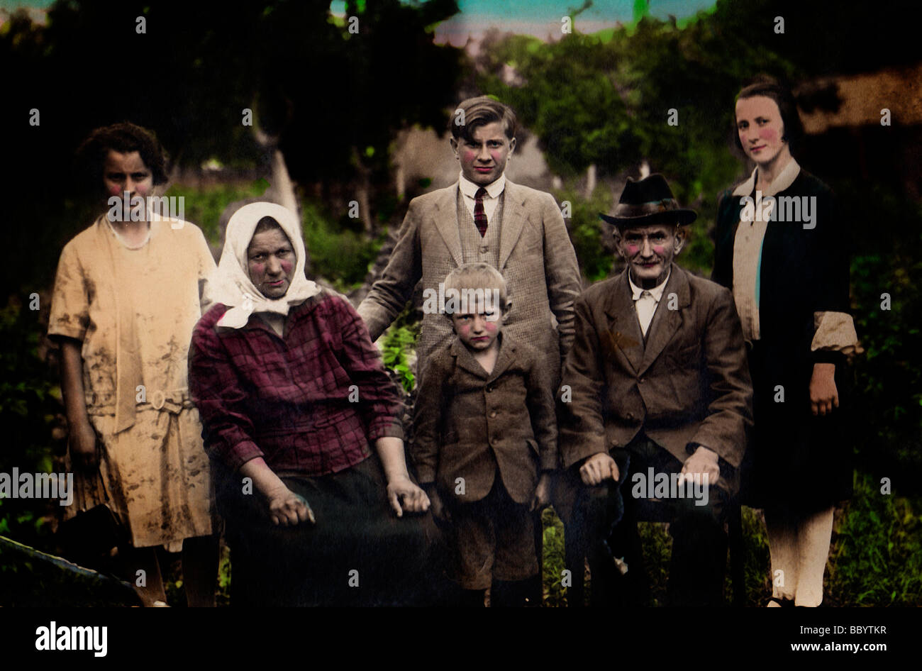 Extended family from the countryside, historic photograph, circa 1930 - Stock Image
