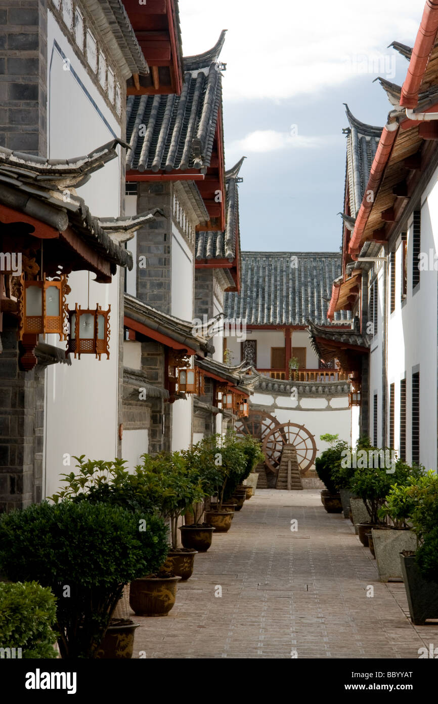 Traditional buildings in old town Lijiang China - Stock Image