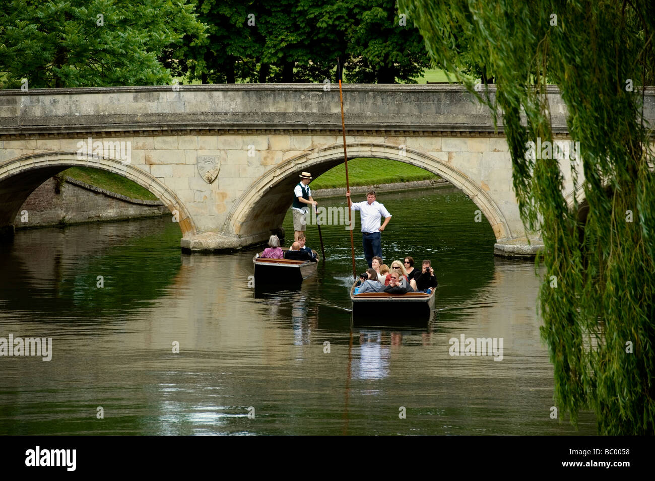 Cambridge Britain Bucolic traditional peaceful views of punting on the River Cam along The Backs through the centre - Stock Image
