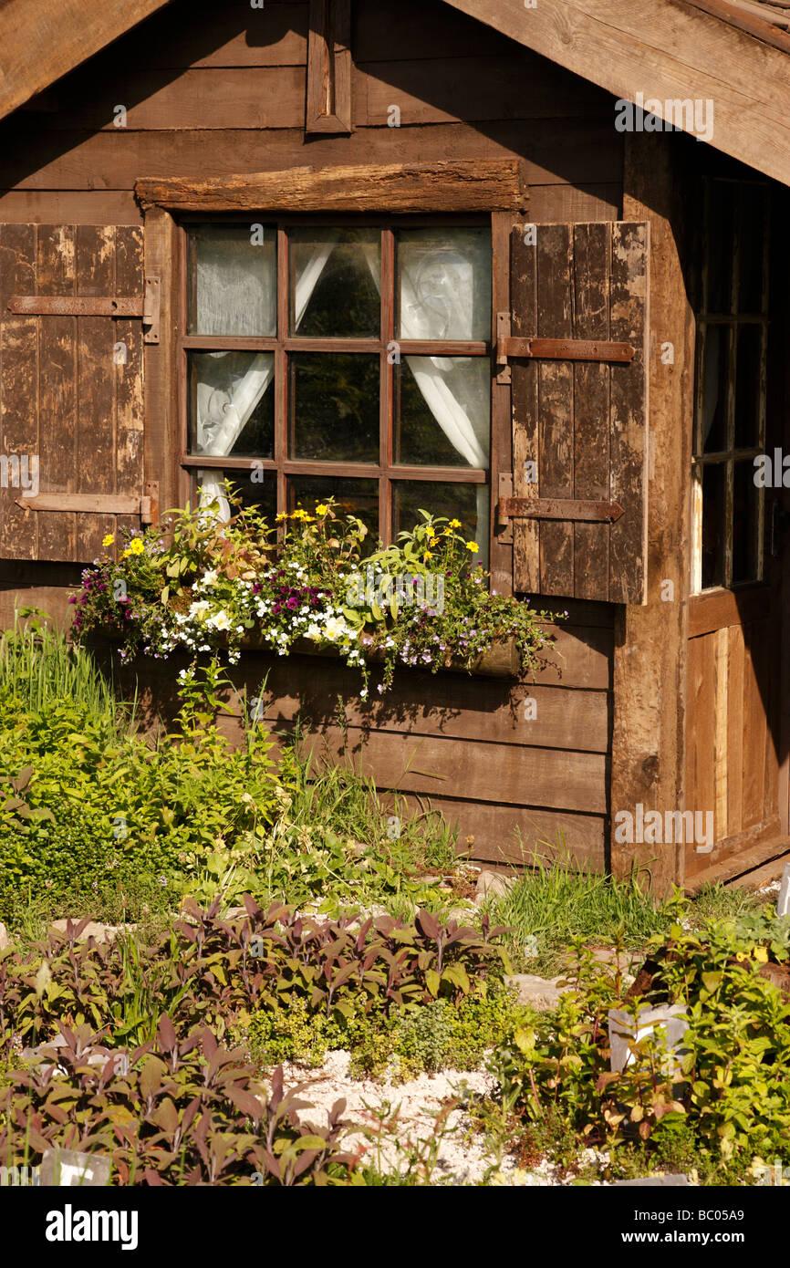 Small Wooden Garden Hut