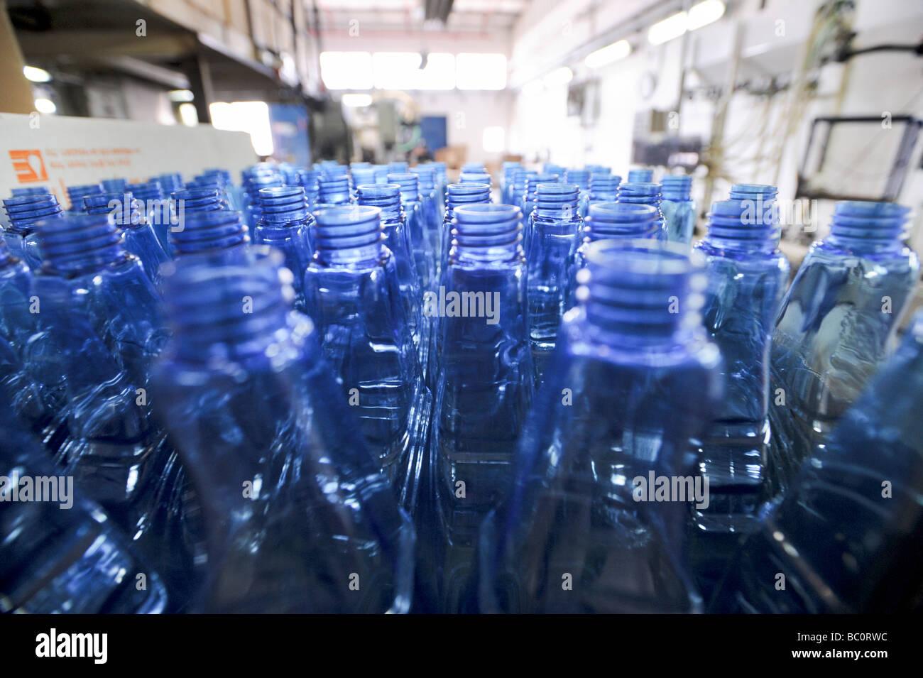 Detergent bottling plant - Stock Image
