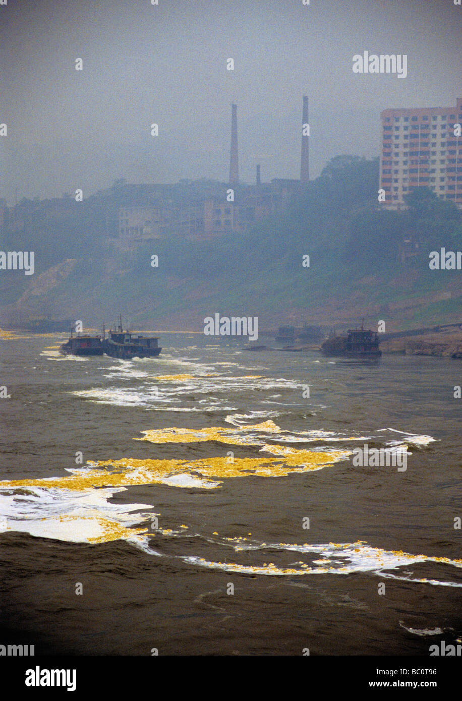 Industrial water pollution in China from factories along Yangtze downriver from Chongqing - Stock Image